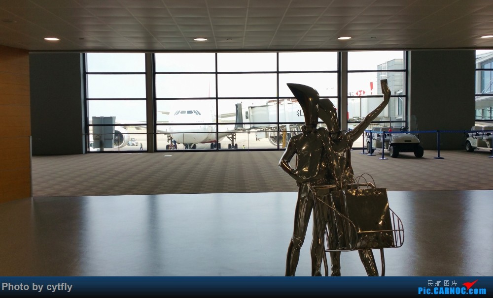 Re:[原创]南京-北京(航展之旅)疯狂的空铁联运【南京-虹桥-浦东-天津-北京】!!持续更新中!!第一次春秋+返程第一次投诉国航 AIRBUS A380  上海浦东国际机场