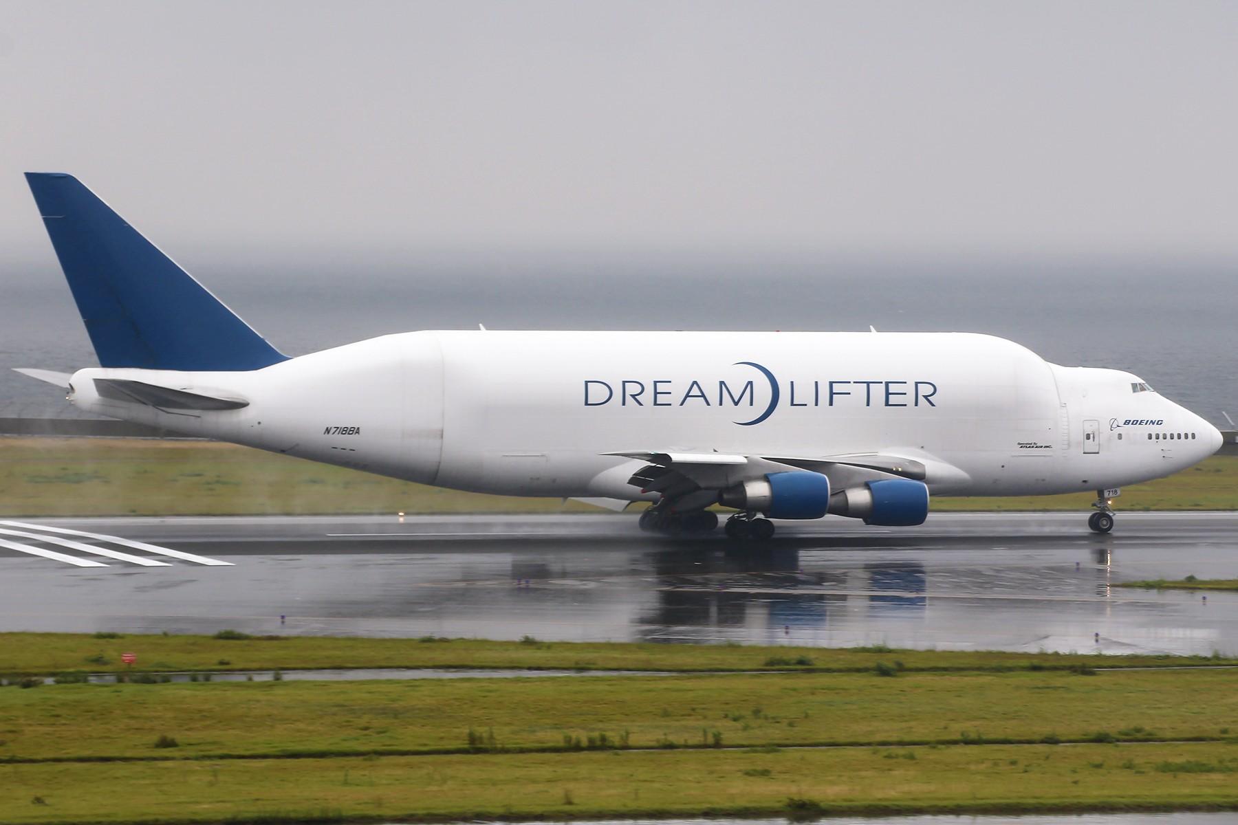 [原创]【1800*1200】驼背的梦想搬运工——波音747-LCF BOEING 747-409(LCF) DREAMLIFTER N780BA 日本名古屋中部/新特丽亚机场
