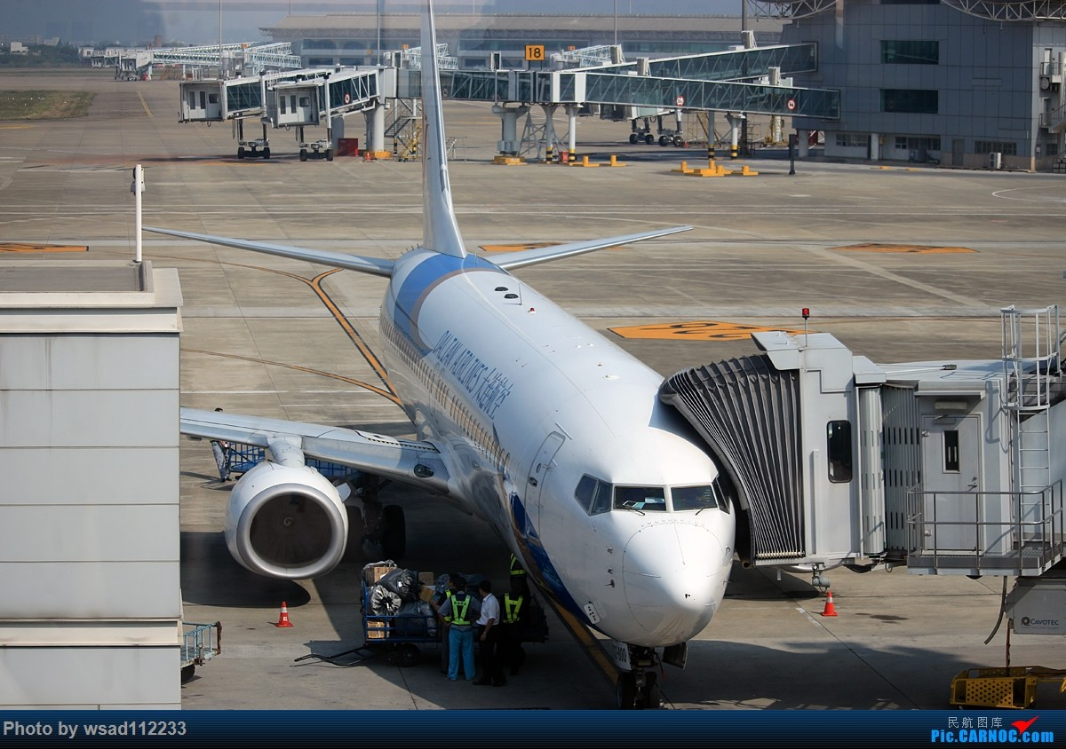 Re:[原创]省内小运转变成了机场拍机【南京-盐城】 BOEING 737-800  NKG