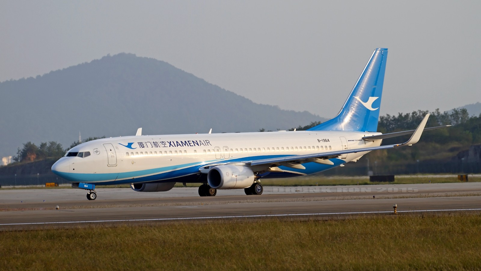 Re:[原创]NKG~好天气的NKG招牌角度 BOEING 737-800 B-1964 中国南京禄口国际机场