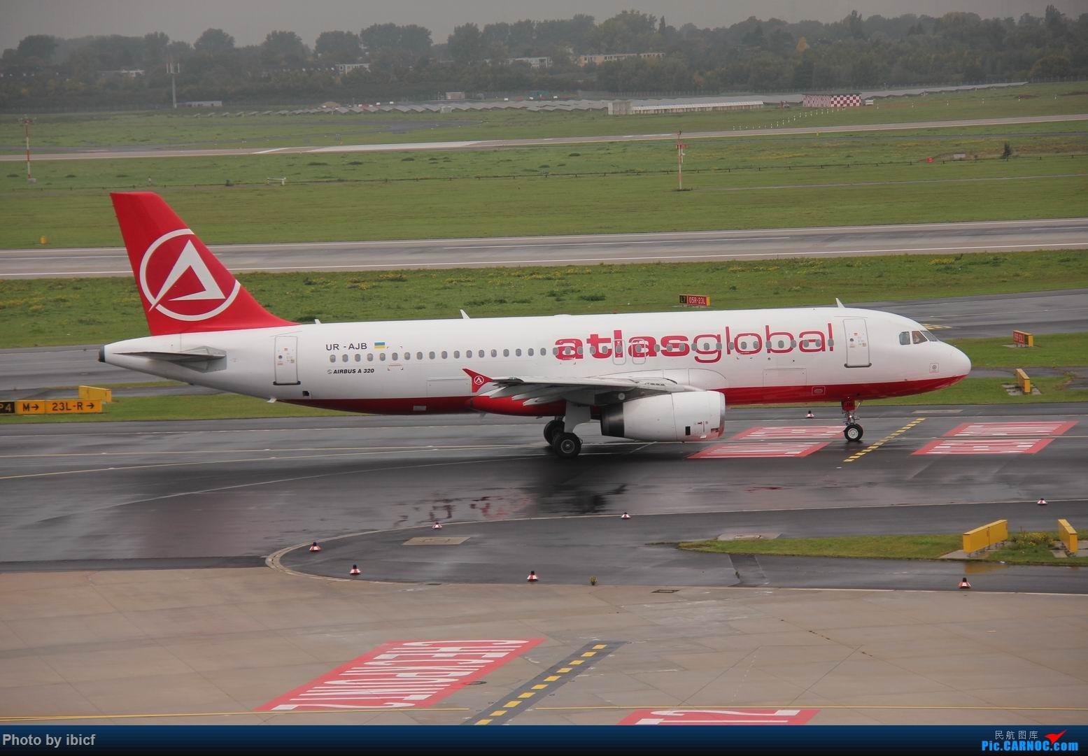 Re:[原创]国庆杜塞拍机 AIRBUS A320-200 UR-AJB DUS
