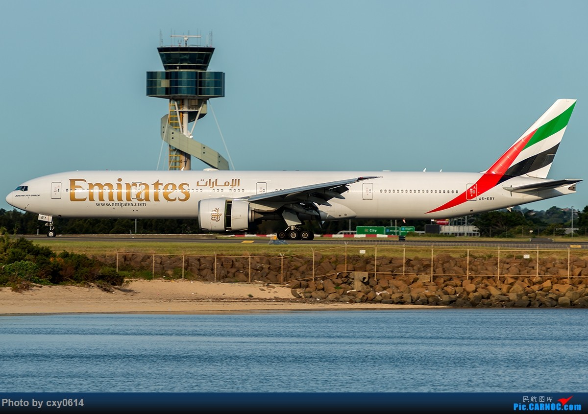 Re:[原创]【多图】半年来SYD拍机 BOEING 777-300 A6-EBY 澳大利亚悉尼金斯福德·史密斯机场