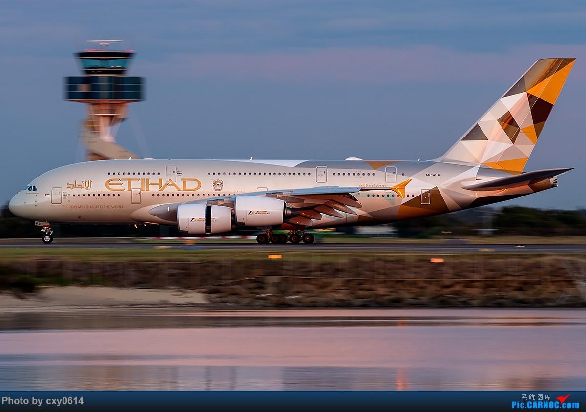 Re:[原创]【多图】半年来SYD拍机 AIRBUS A380-800 A6-APC 澳大利亚悉尼金斯福德·史密斯机场
