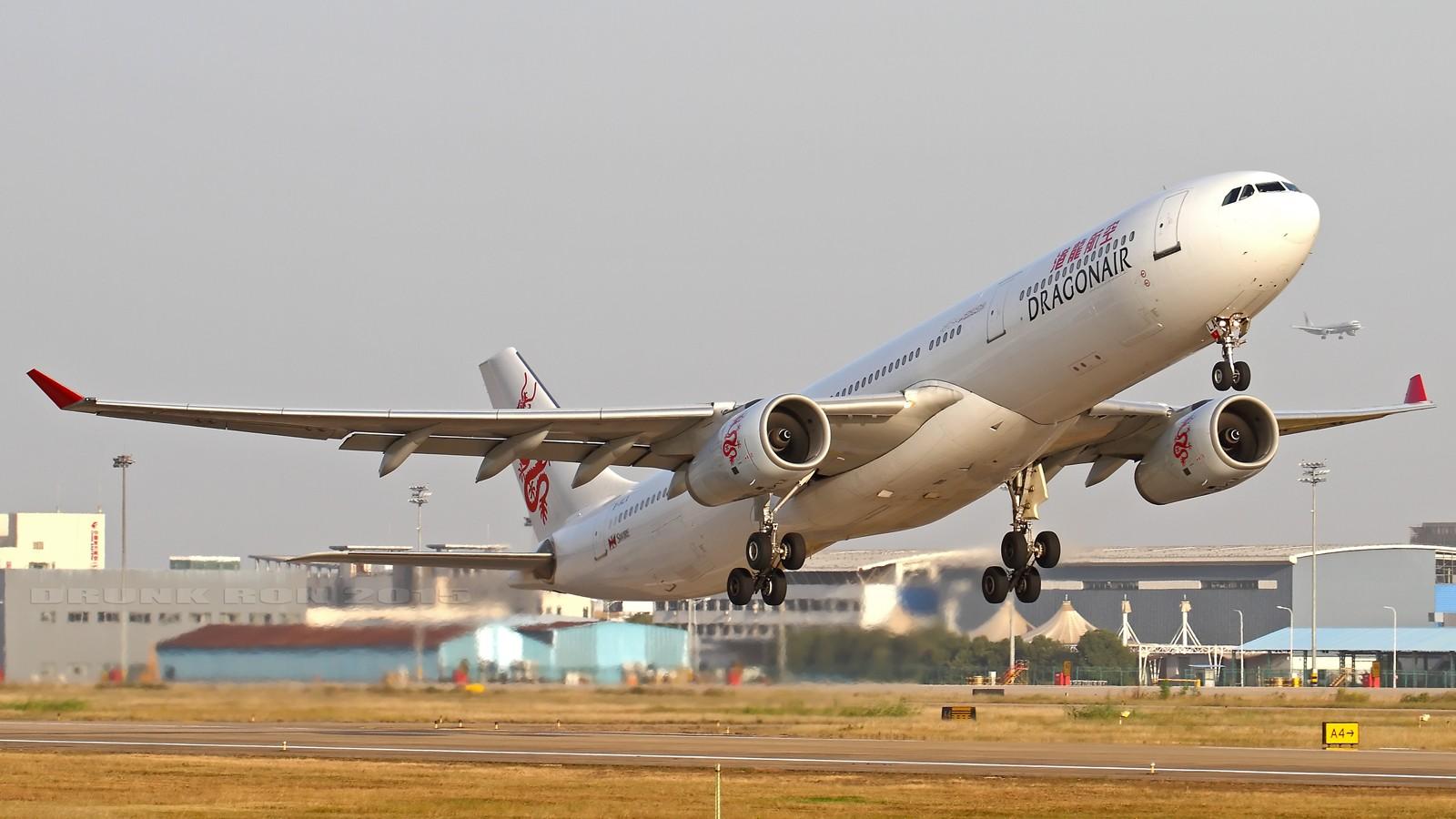 Re:[原创]NKG~头回拍华航77W AIRBUS A330-300 B-HLA 中国南京禄口国际机场