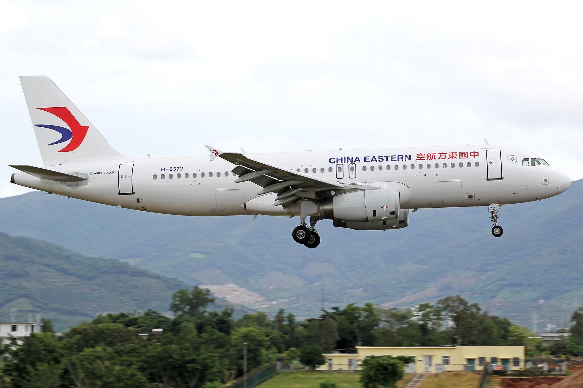 Re:[原创]。。。[SYX]北纬18°的三亚日记。。。 AIRBUS A320-200 B-6372 中国三亚凤凰国际机场