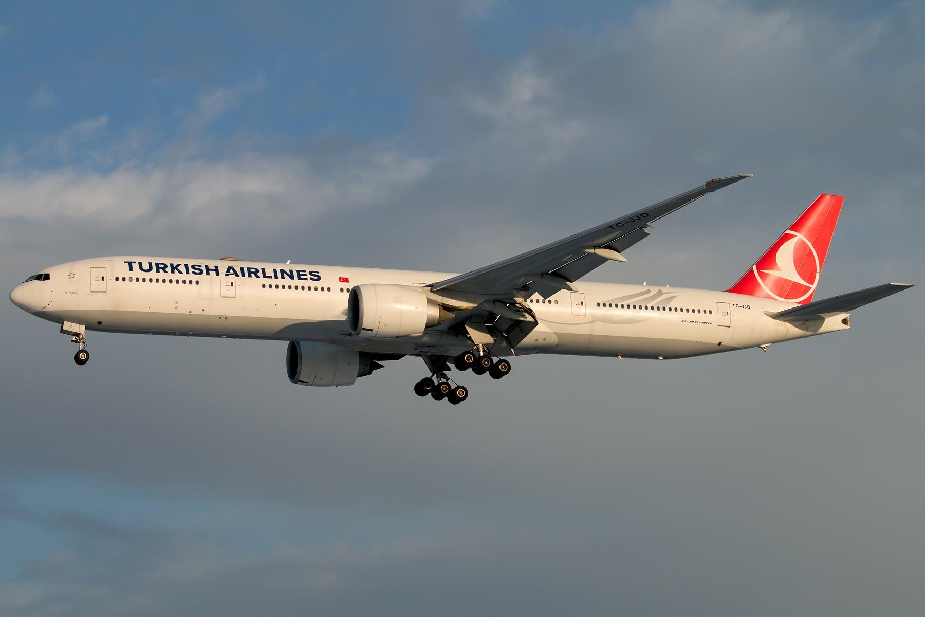 [原创]雪里红 1800*1200 [5pics] BOEING 777-3F2(ER) TC-JJO 中国北京首都国际机场