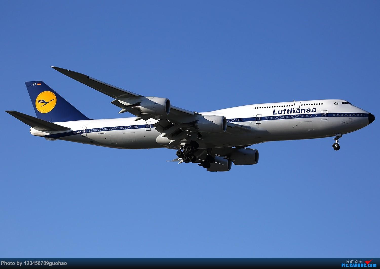 [原创]吹走雾霾,迎来汉莎748复古,首次光临PEK BOEING 747-8 D-ABYT 北京首都机场