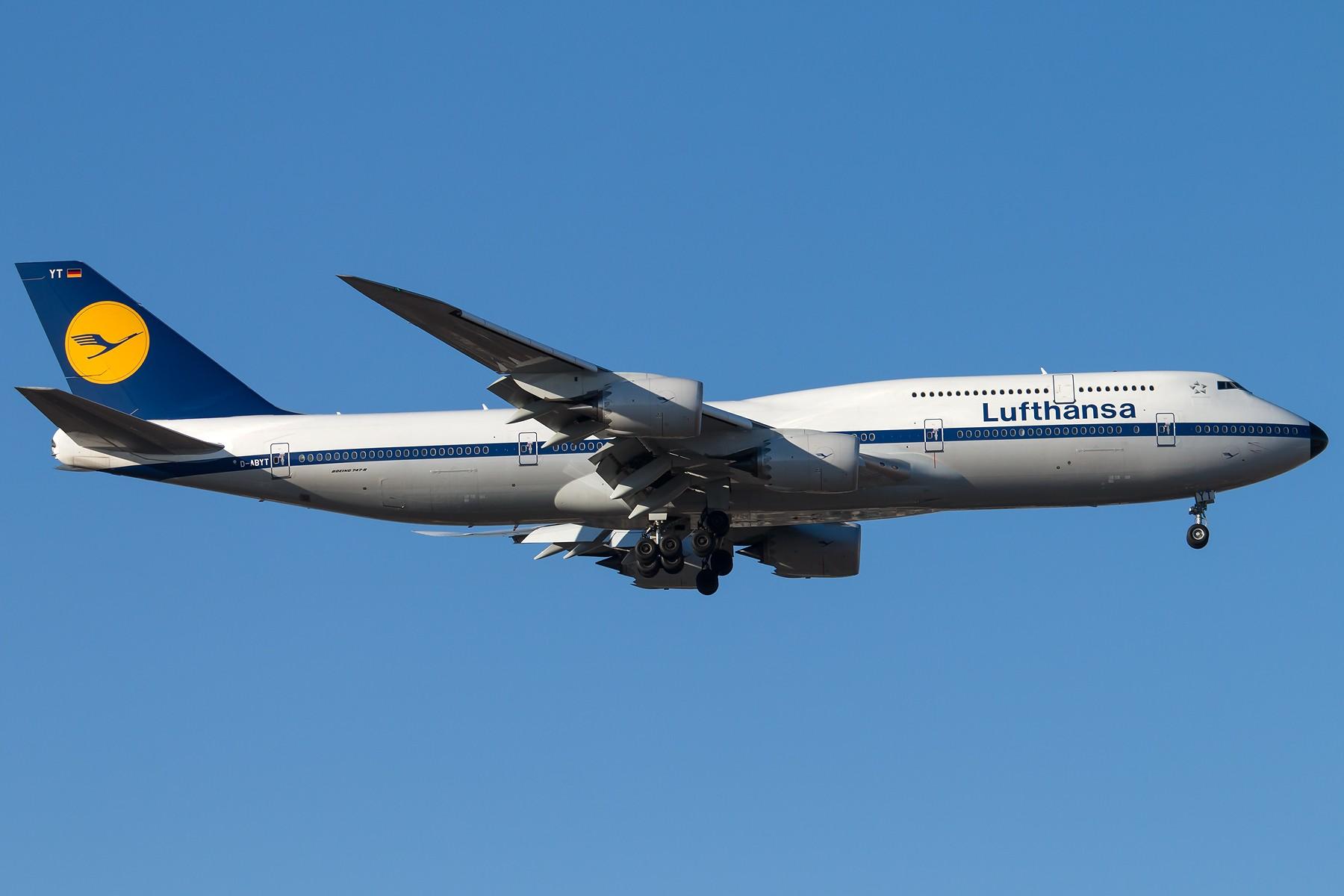 [原创][一图党]Lufthansa D-ABYT B747-8i Retro Livery 1800*1200 BOEING B747-8I D-ABYT 中国北京首都国际机场