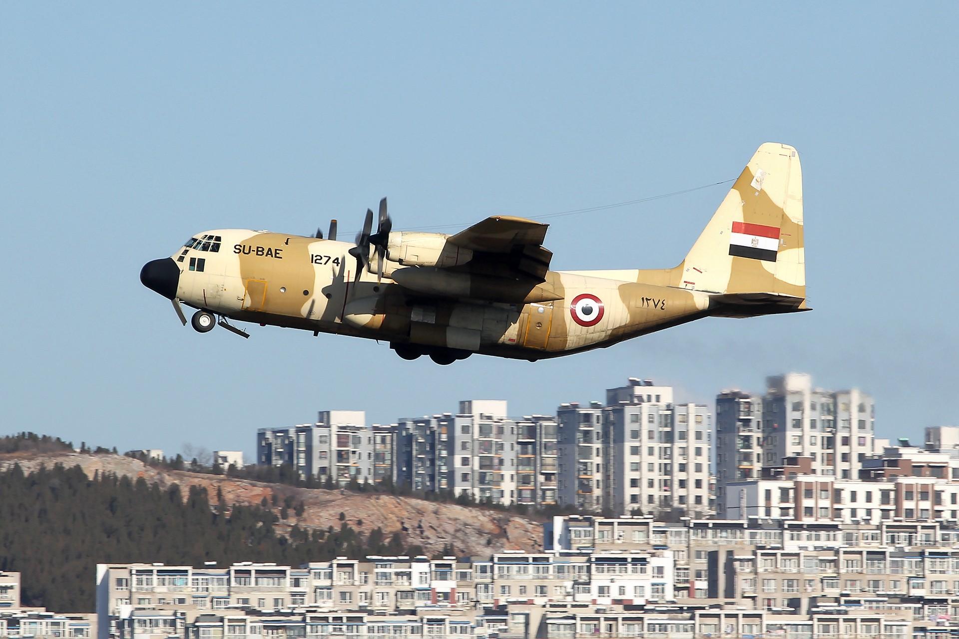 [原创][DLC]。。。埃及空军C130。。。 LOCKHEED C-130H HERCULES (L-382) 1274/SU-BAE 中国大连国际机场