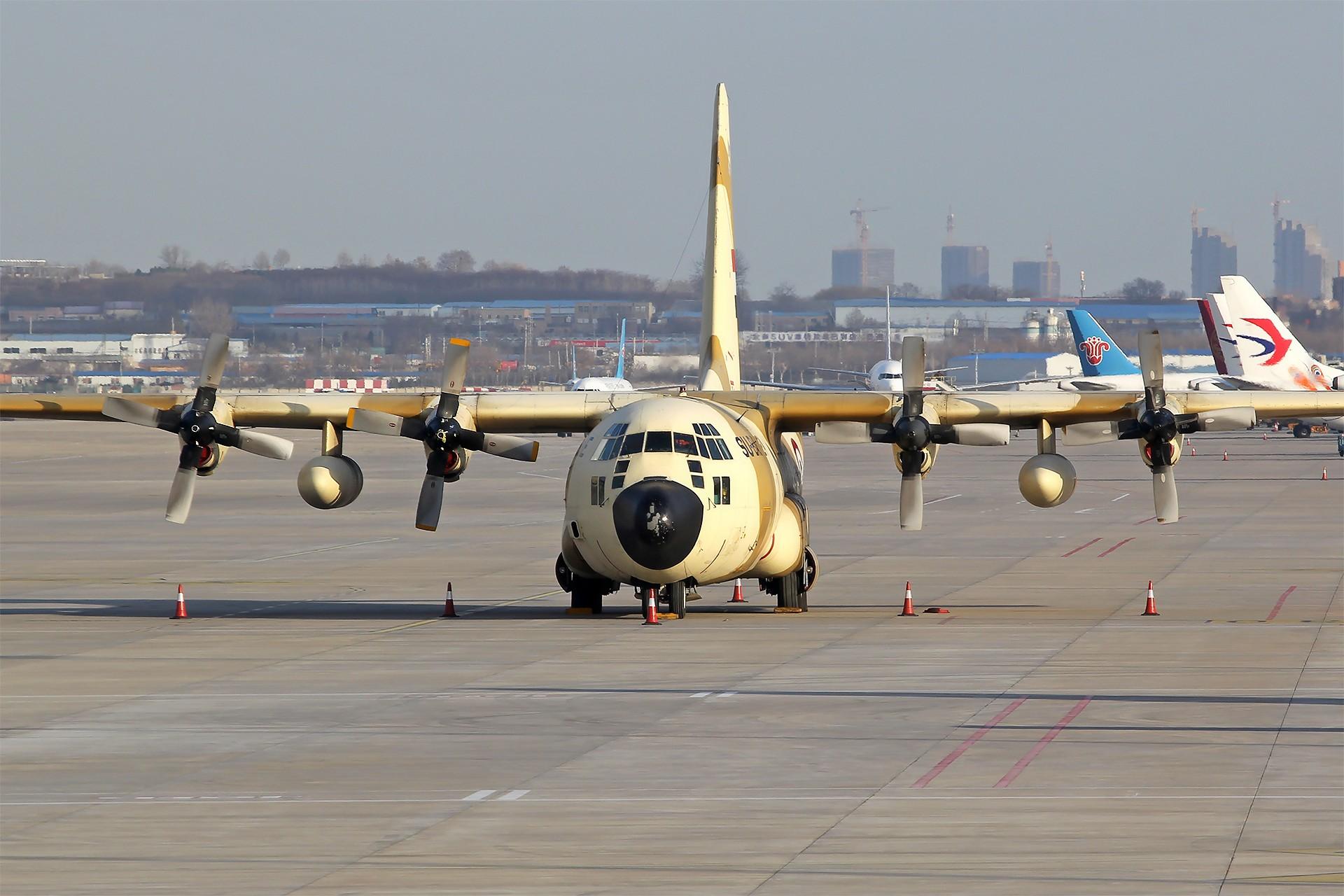 Re:[原创][DLC]。。。埃及空军C130。。。 LOCKHEED C-130H HERCULES (L-382) 1274/SU-BAE 中国大连国际机场