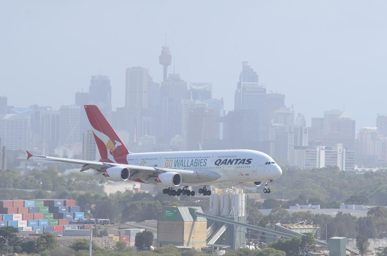 Re:[原创]迎接ANA R2D2 首航悉尼闲暇拍机一小时 A380 VH-OQH Sydney