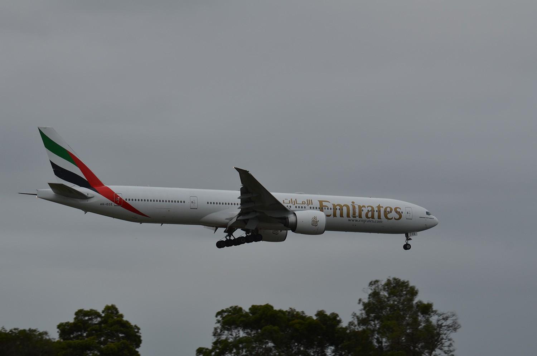 Re:[原创]迎接ANA R2D2 首航悉尼闲暇拍机一小时 B777 A6-ECE Sydney