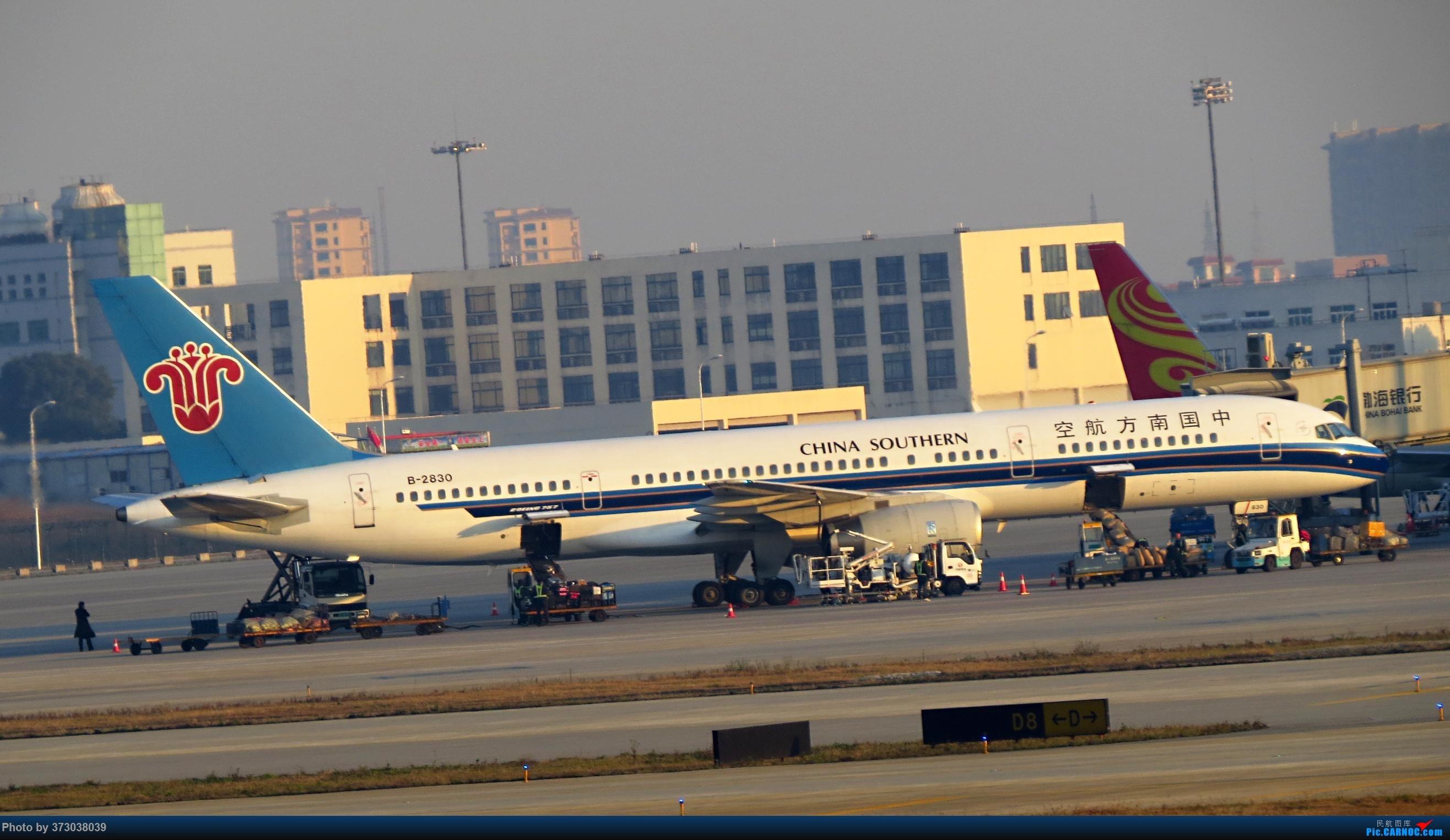 Re:[原创]【去年今天】杭州萧山国际机场 HGH 北跑道拍机 BOEING 757-200 B-2830 中国杭州萧山国际机场