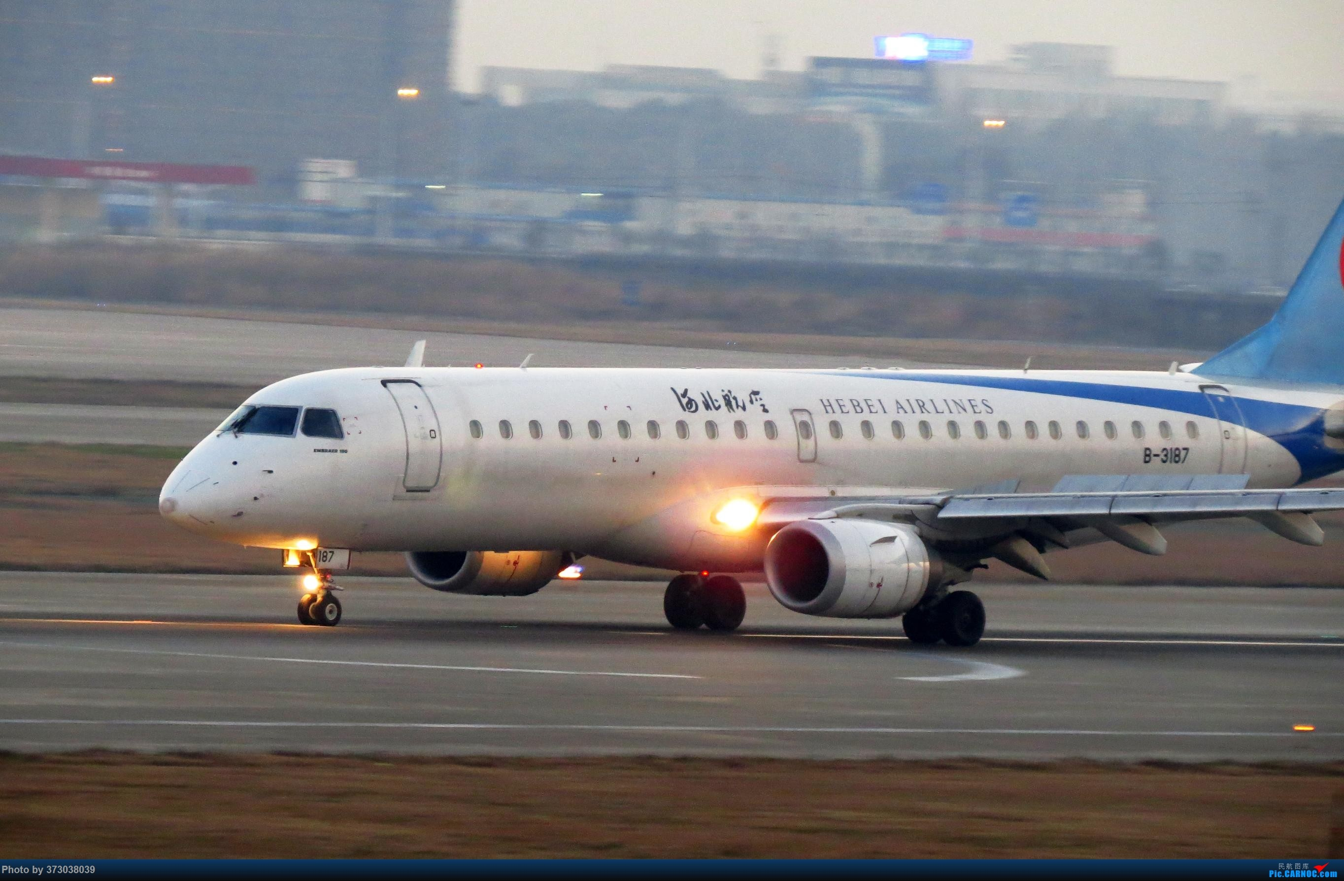 Re:[原创]【去年今天】杭州萧山国际机场 HGH 北跑道拍机 EMBRAER E-190 B-3187 中国杭州萧山国际机场