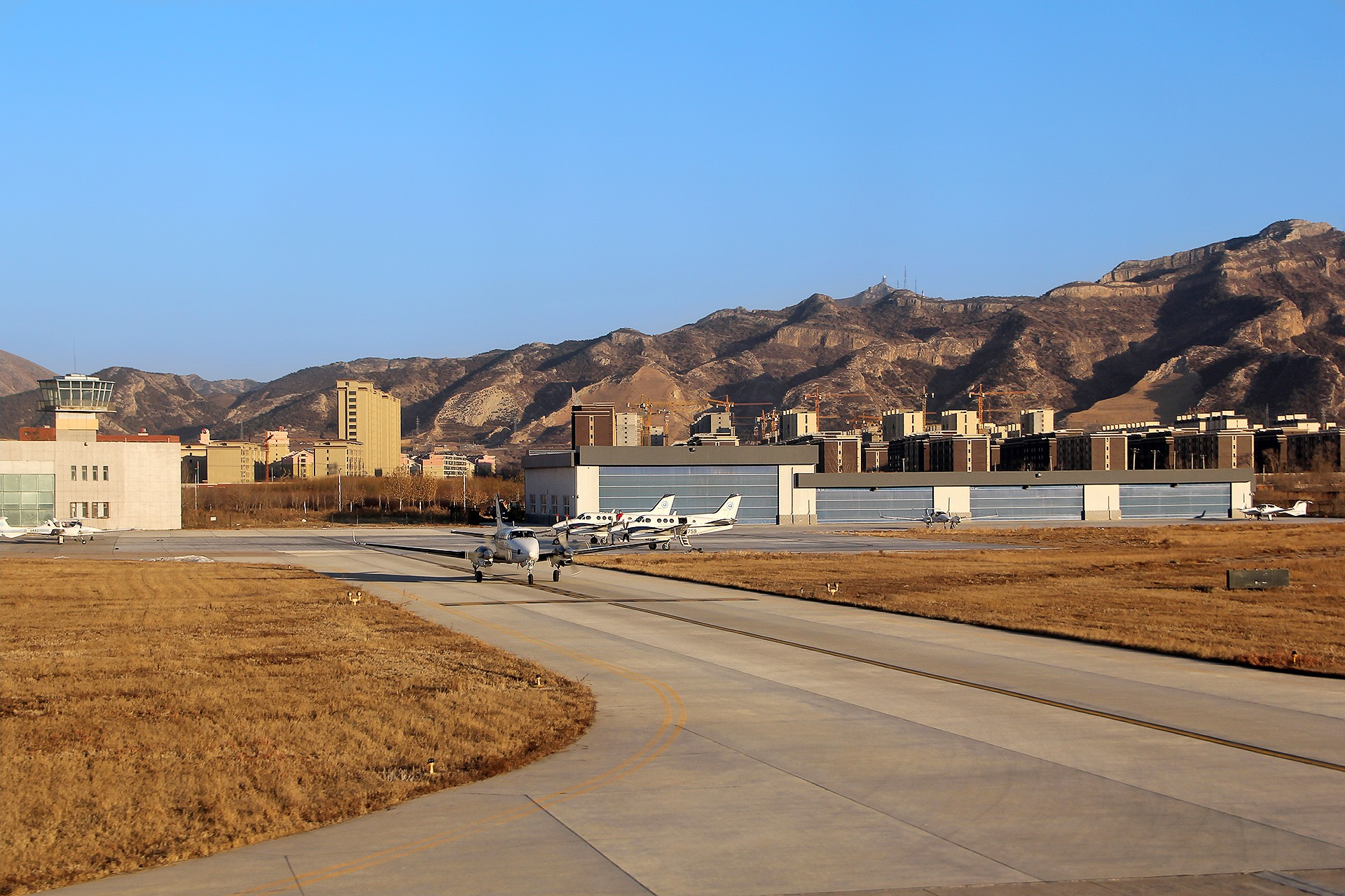 Re:[原创][CHG]。。。辽宁朝阳机场。。。    中国朝阳机场
