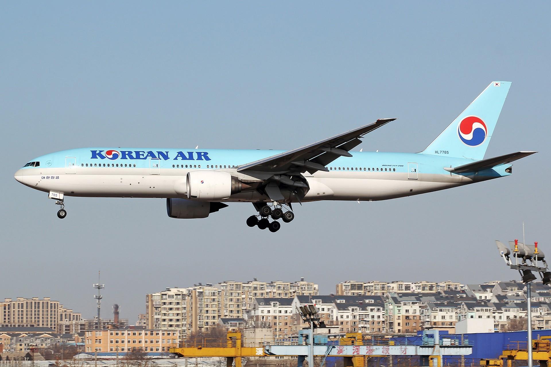 Re:[原创][DLC]。。。省略号吧,无标题。。。 BOEING 777-200ER HL7765 中国大连国际机场