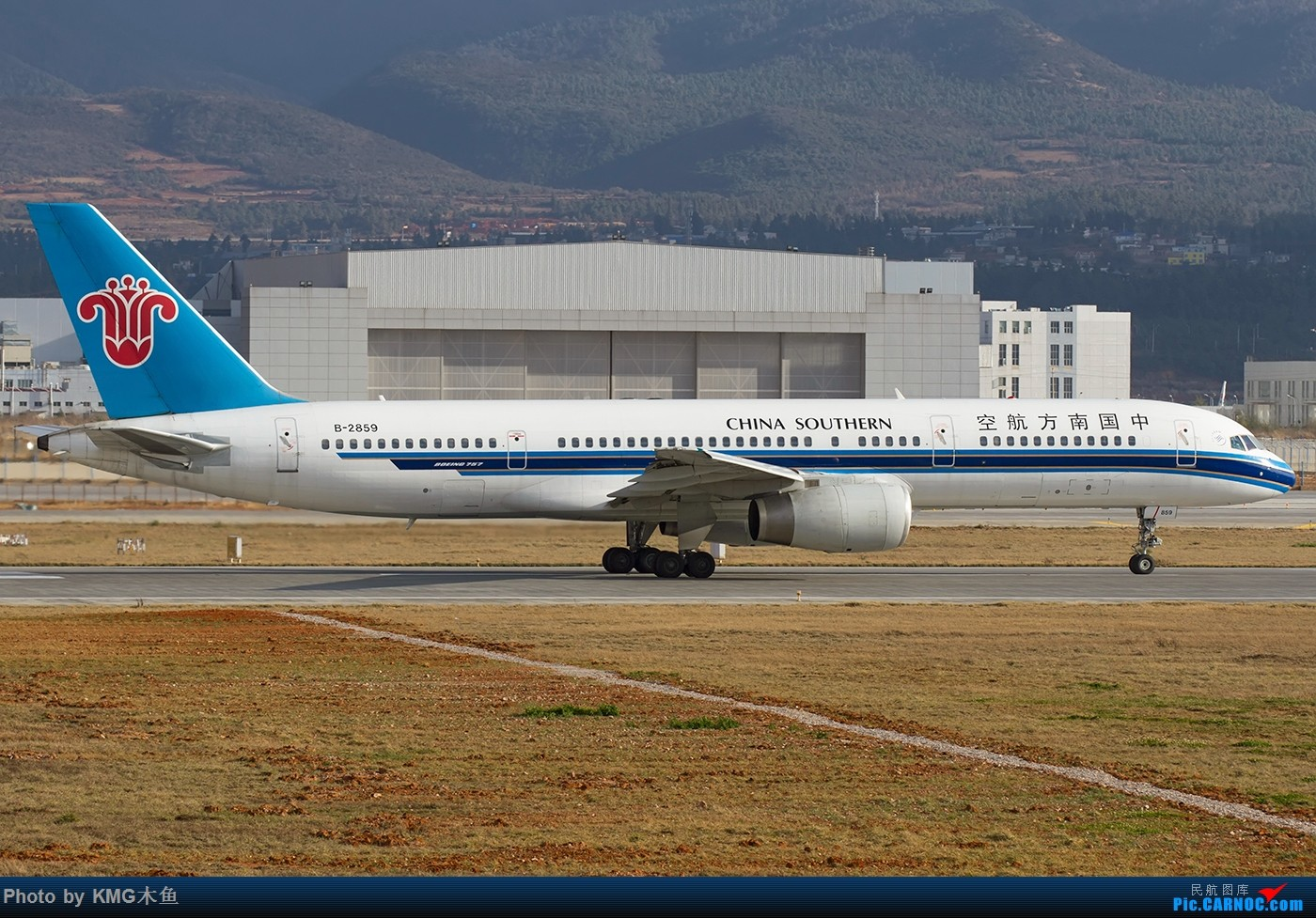 Re:[原创]【昆明飞友会-KMG木鱼】在长水国际机场,遇见英航云南,还是落地的 BOEING 757-200 B-2859 中国昆明长水国际机场