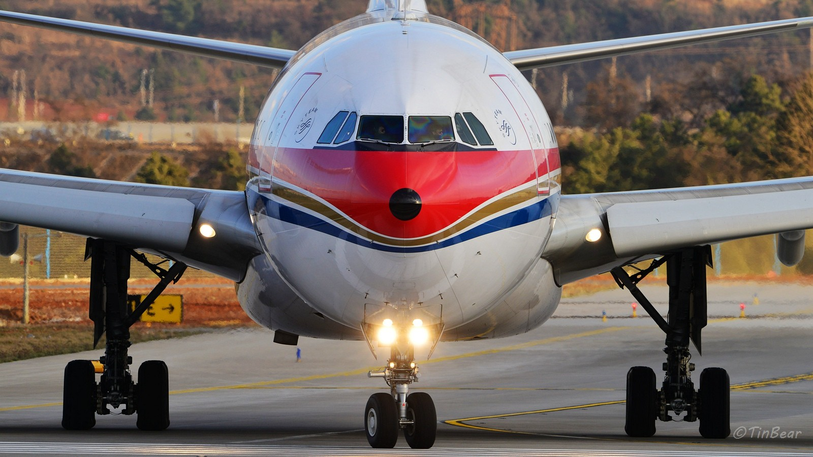 Re:[原创]【KMG】B-5926机身够宽,焦距够长。 AIRBUS A330-200 B-5926 中国昆明长水国际机场
