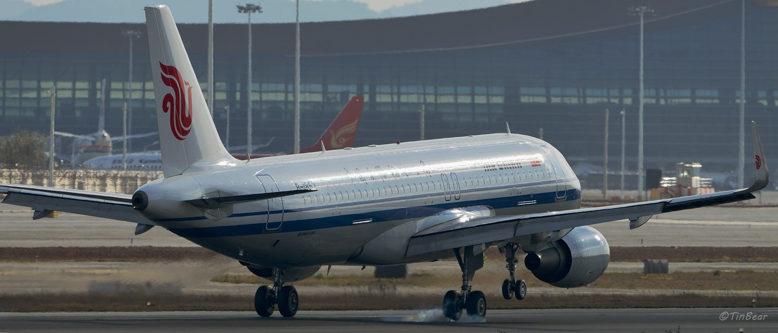 Re:[原创]【KMG】这烟,吸多了对肺不好,擦多了对轮胎不好 AIRBUS A320-200 B-1853 中国昆明长水国际机场