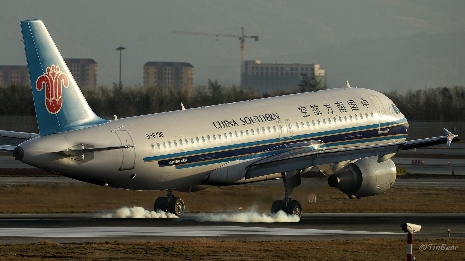 Re:[原创]【KMG】这烟,吸多了对肺不好,擦多了对轮胎不好 AIRBUS A320-200 B-6739 中国昆明长水国际机场