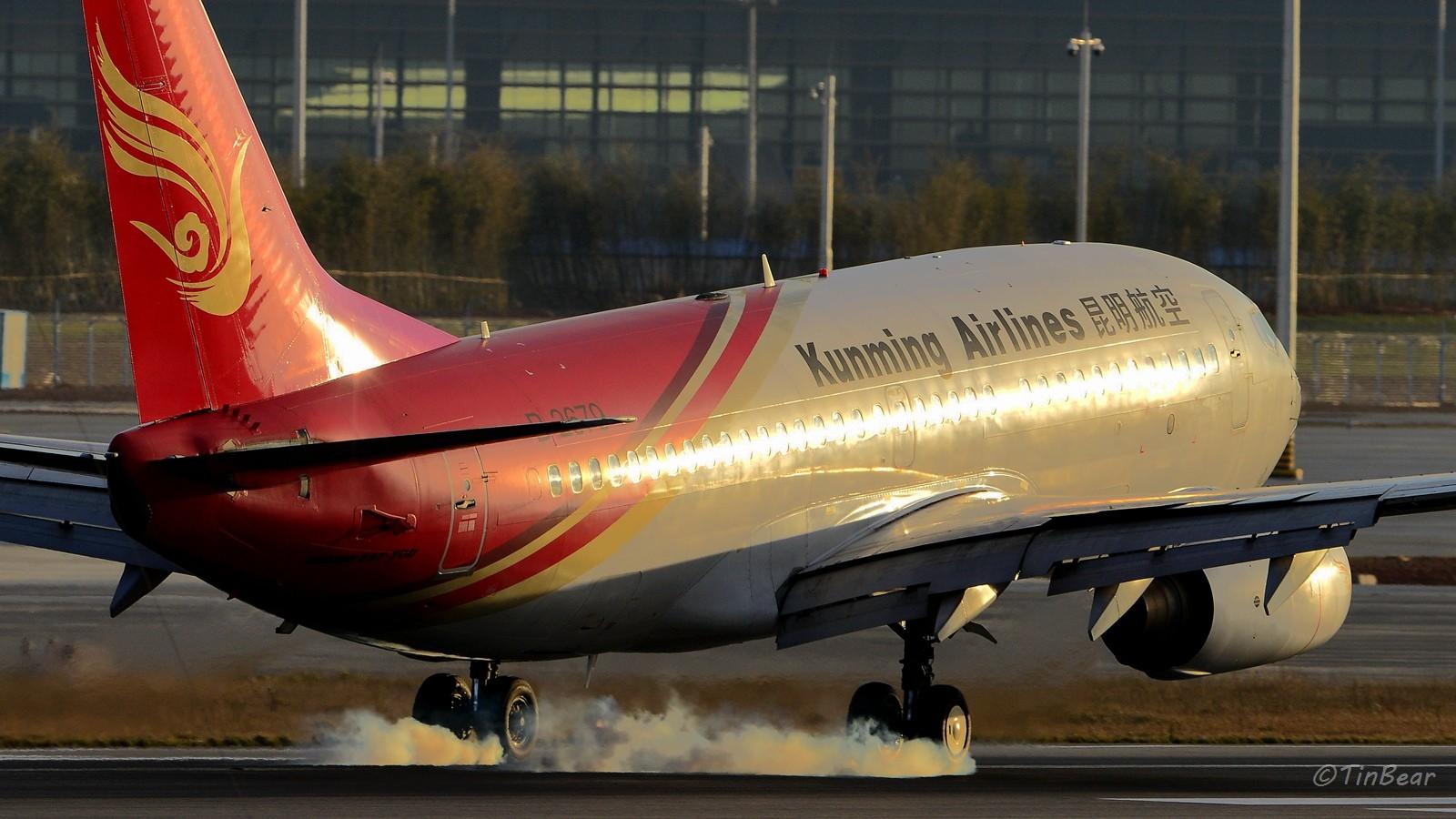Re:[原创]【KMG】这烟,吸多了对肺不好,擦多了对轮胎不好 BOEING 737-700 B-2679 中国昆明长水国际机场