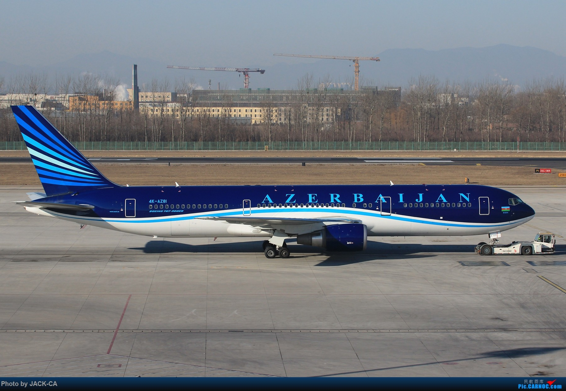 Re:[原创]【组图】北京拍机之苏活视角 BOEING 767-300ER 4K-AZ81 中国北京首都国际机场