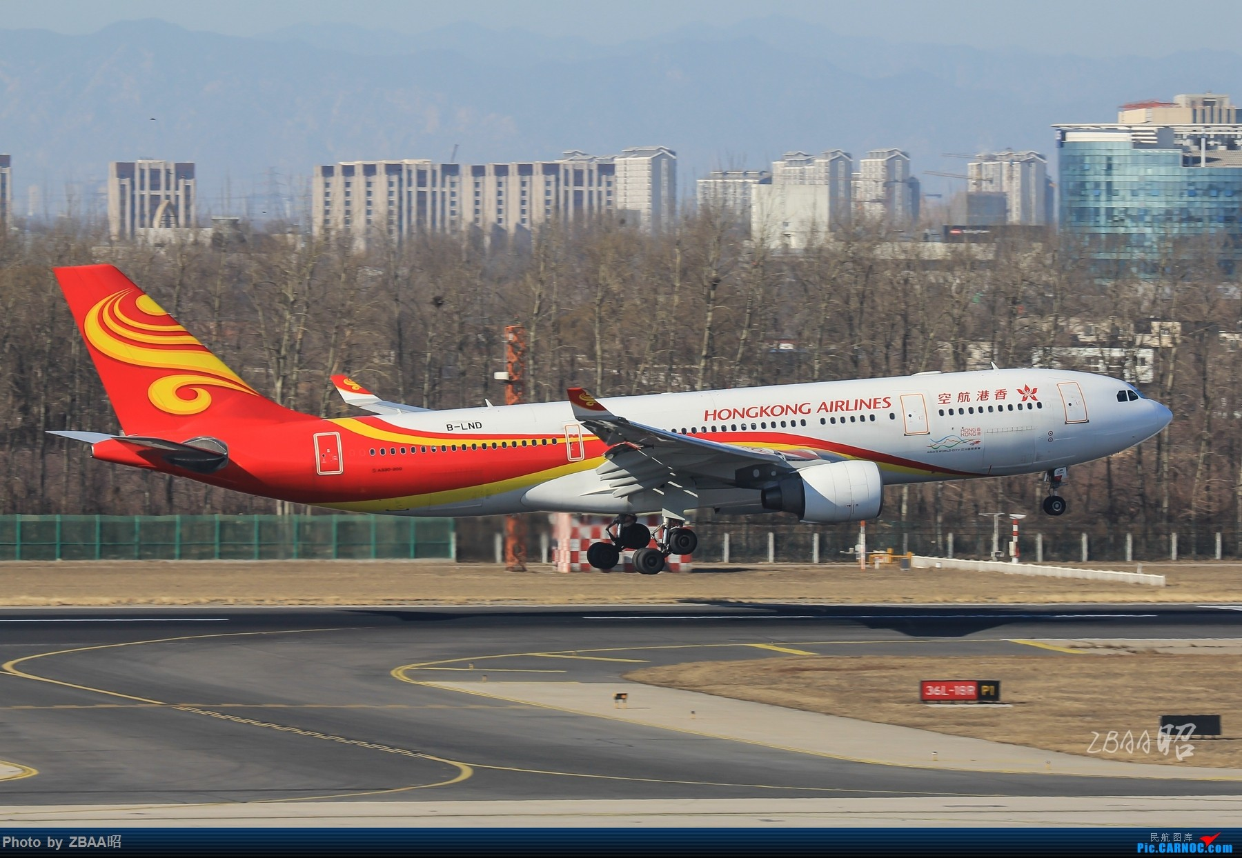 Re:[原创]飞友聚会后的独自疯狂,格林豪泰隔天怒打ZBAA 36L跑道,夜拍海航宽体机,寒风中坚守楼顶阵地 AIRBUS A330-200 B-LND 中国北京首都国际机场