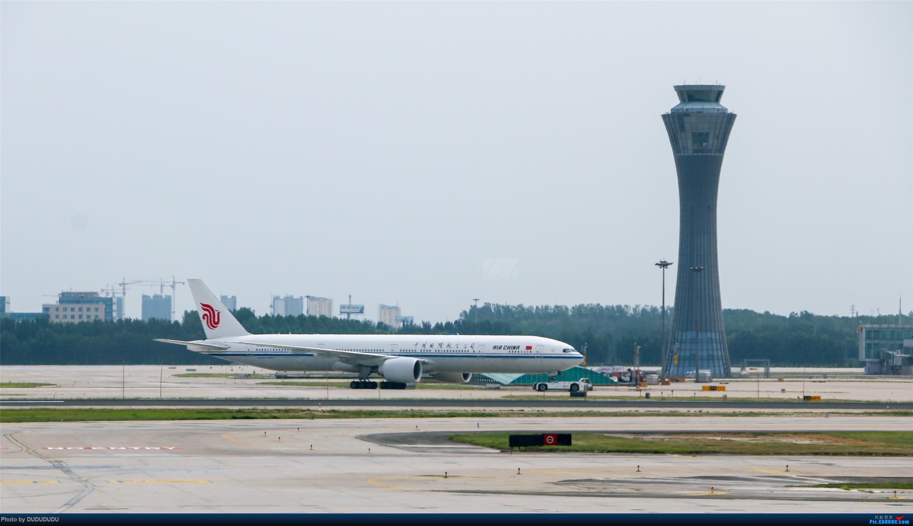 Re:[原创]【DUDUDUDU】从小白走来的这一年…… BOEING 777-300ER  中国北京首都国际机场