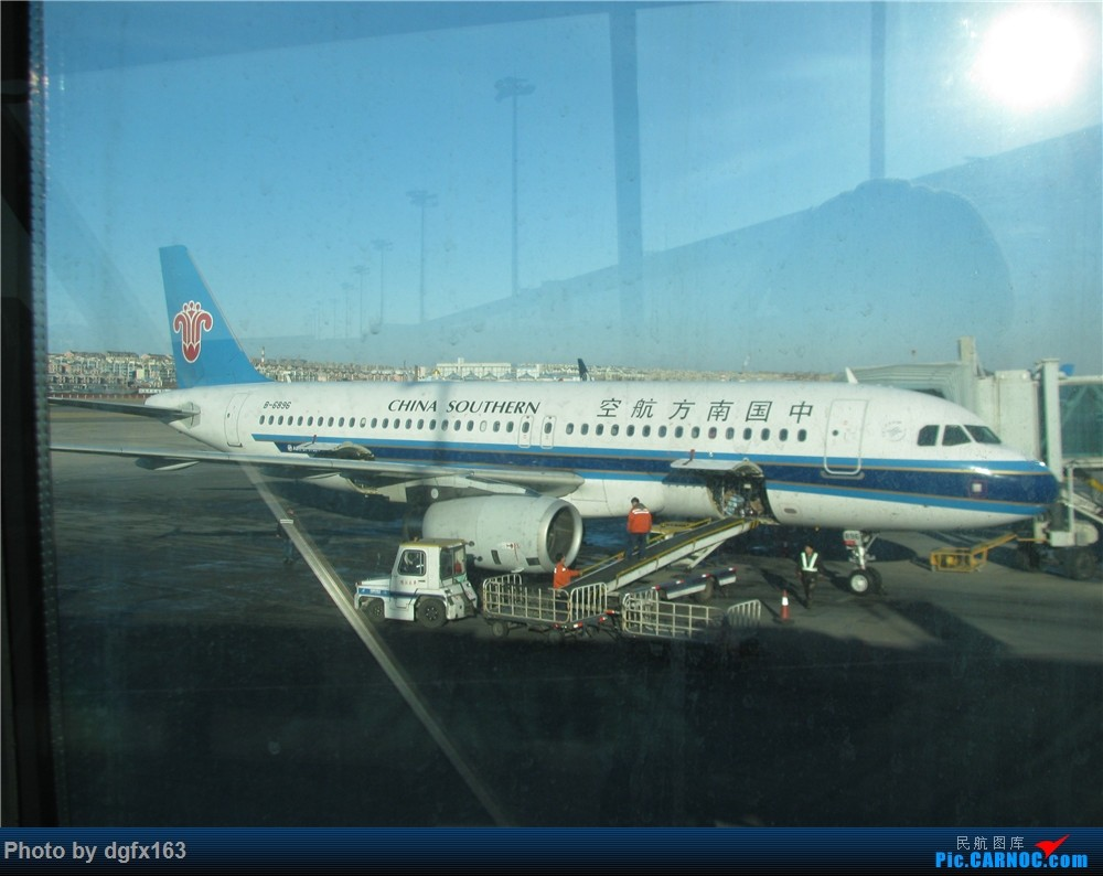 Re:[原创]]【dgfx163的游记(8)】南方航空 A320-200 CZ3986 大连DLC-南京NKG 再一次搭乘南航,前往古都南京! AIRBUS A320-200 B-6896 中国大连国际机场