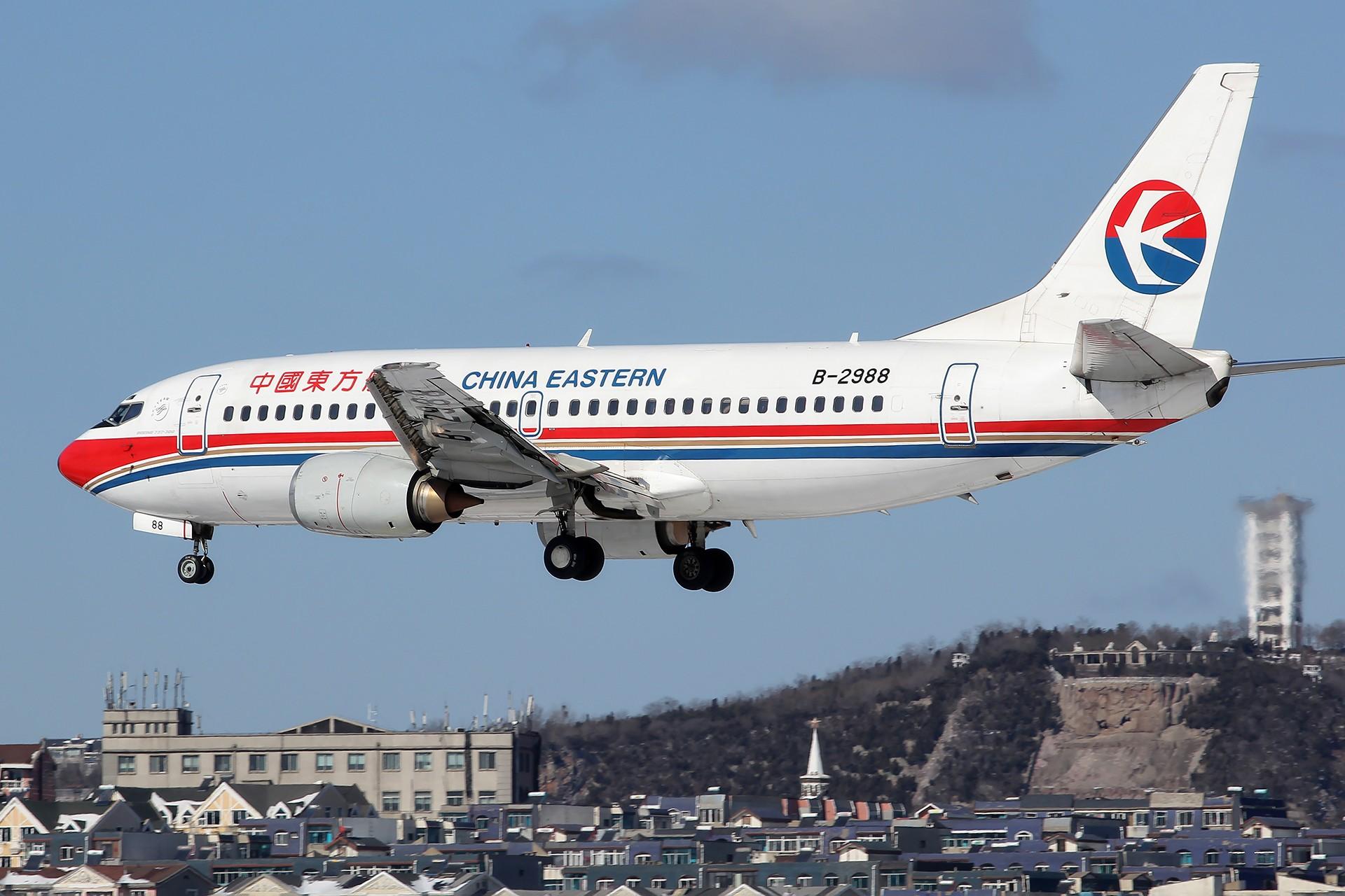 Re:[原创][DLC]。。。雪后天真就这么蓝。。。 BOEING 737-300 B-2988 中国大连国际机场