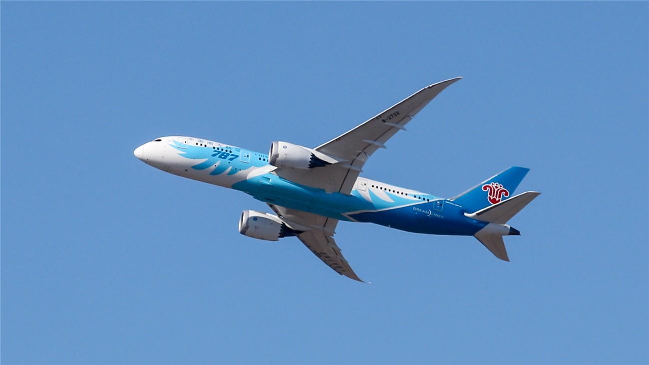 Re:[原创]【DUDUDUDU】年前年后,蓝天下的PEK BOEING 787-8 B-2732 中国北京首都国际机场