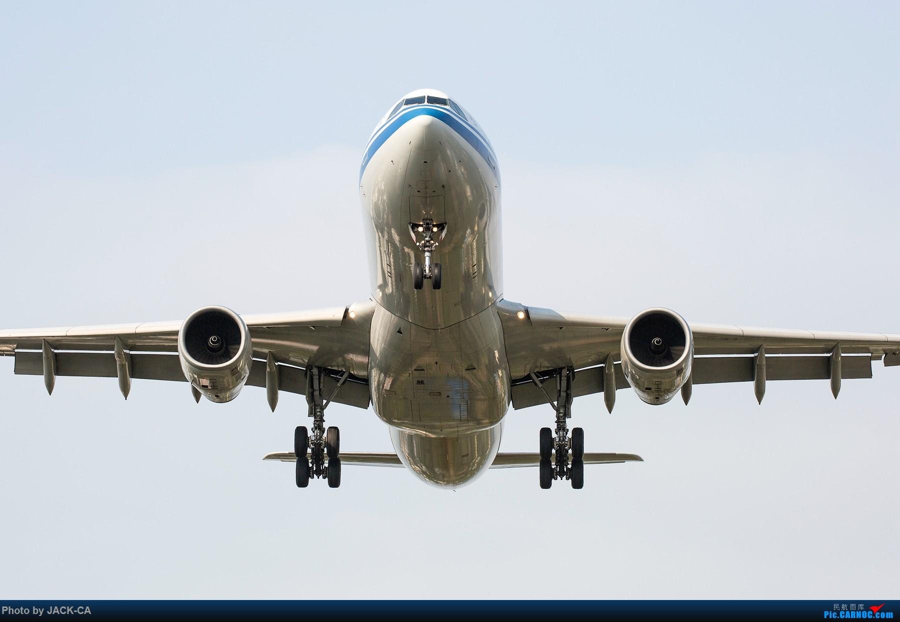 飞机手绘正面图