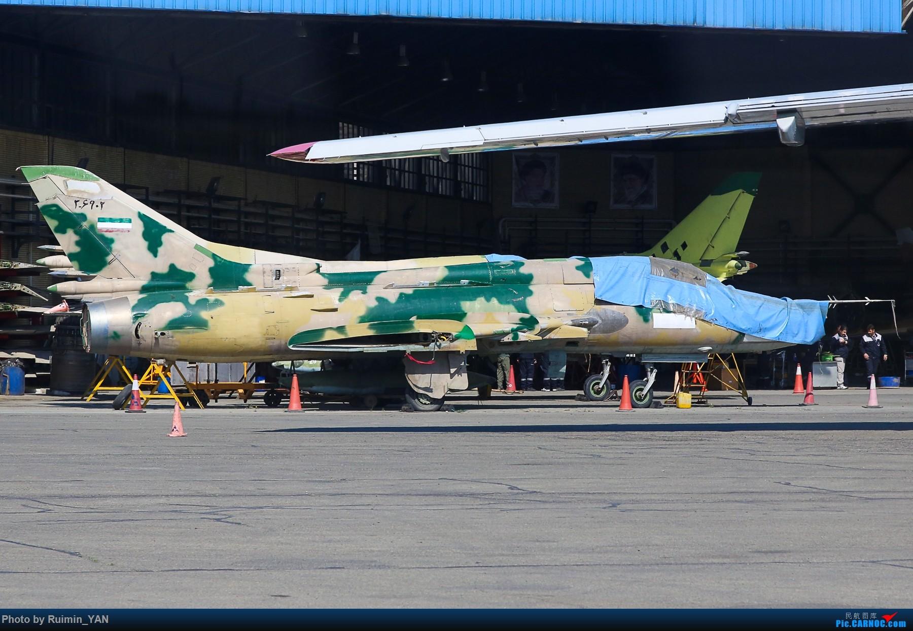 Re:[原创]【THR】(德黑兰梅赫拉巴德机场)伊朗空军(Iran Air Force)-- F-14A(Tomcat雄猫),Su-22M-4,F-4(鬼怪Phantom) SU-22M-4 3-6902 伊朗德黑兰机场