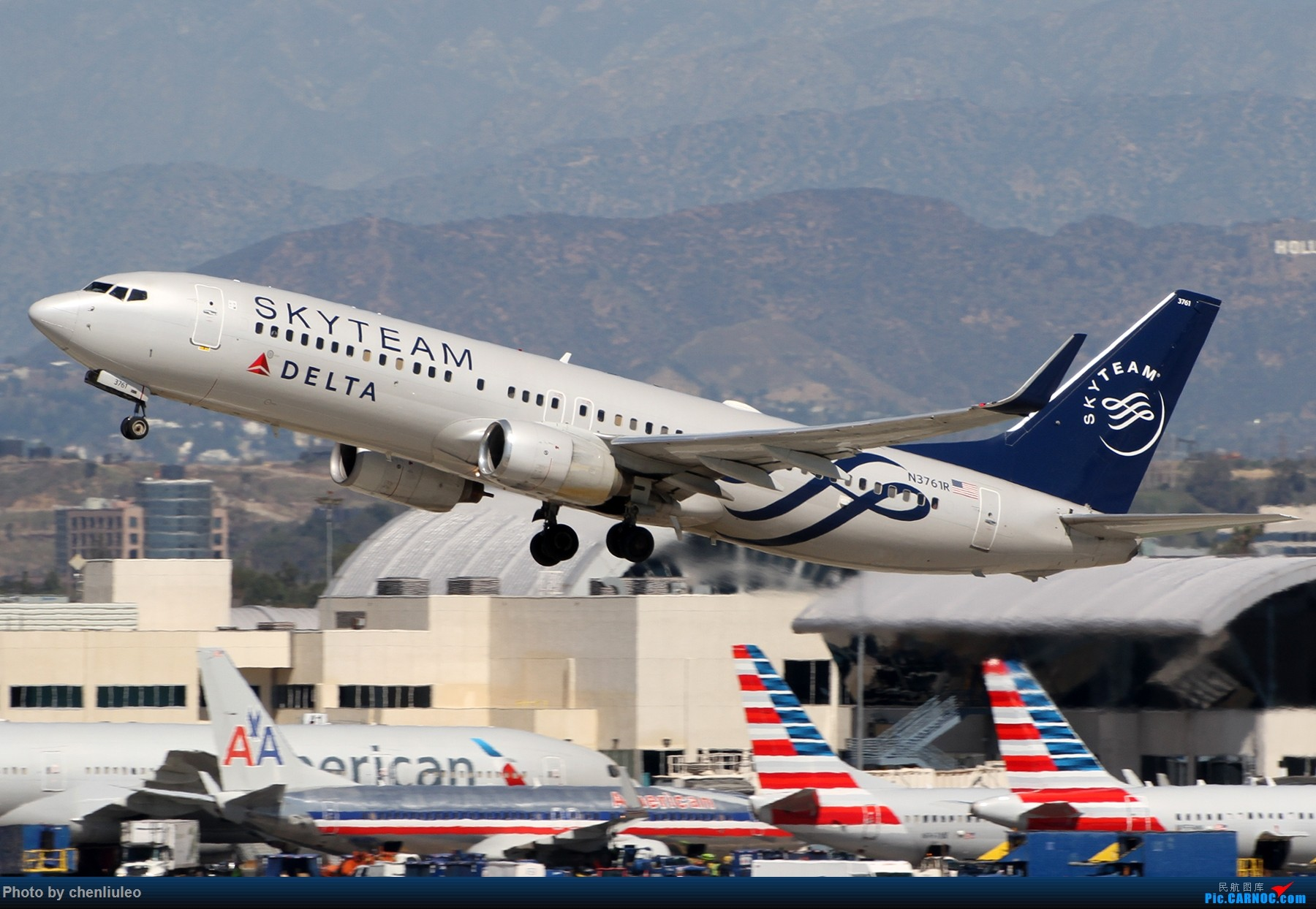 Re:[原创]【北美飞友会】LAX带地景起飞一组 BOEING 737-800 N3761R 美国洛杉矶机场