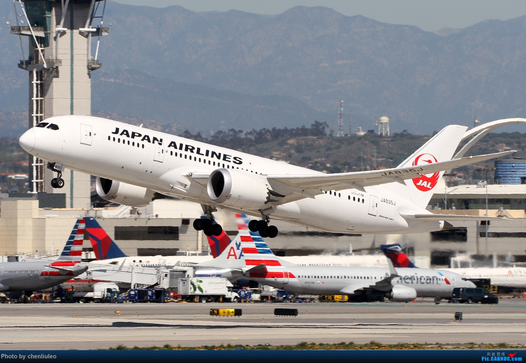 Re:[原创]【北美飞友会】LAX带地景起飞一组 BOEING 787-8 JA835J 美国洛杉矶机场