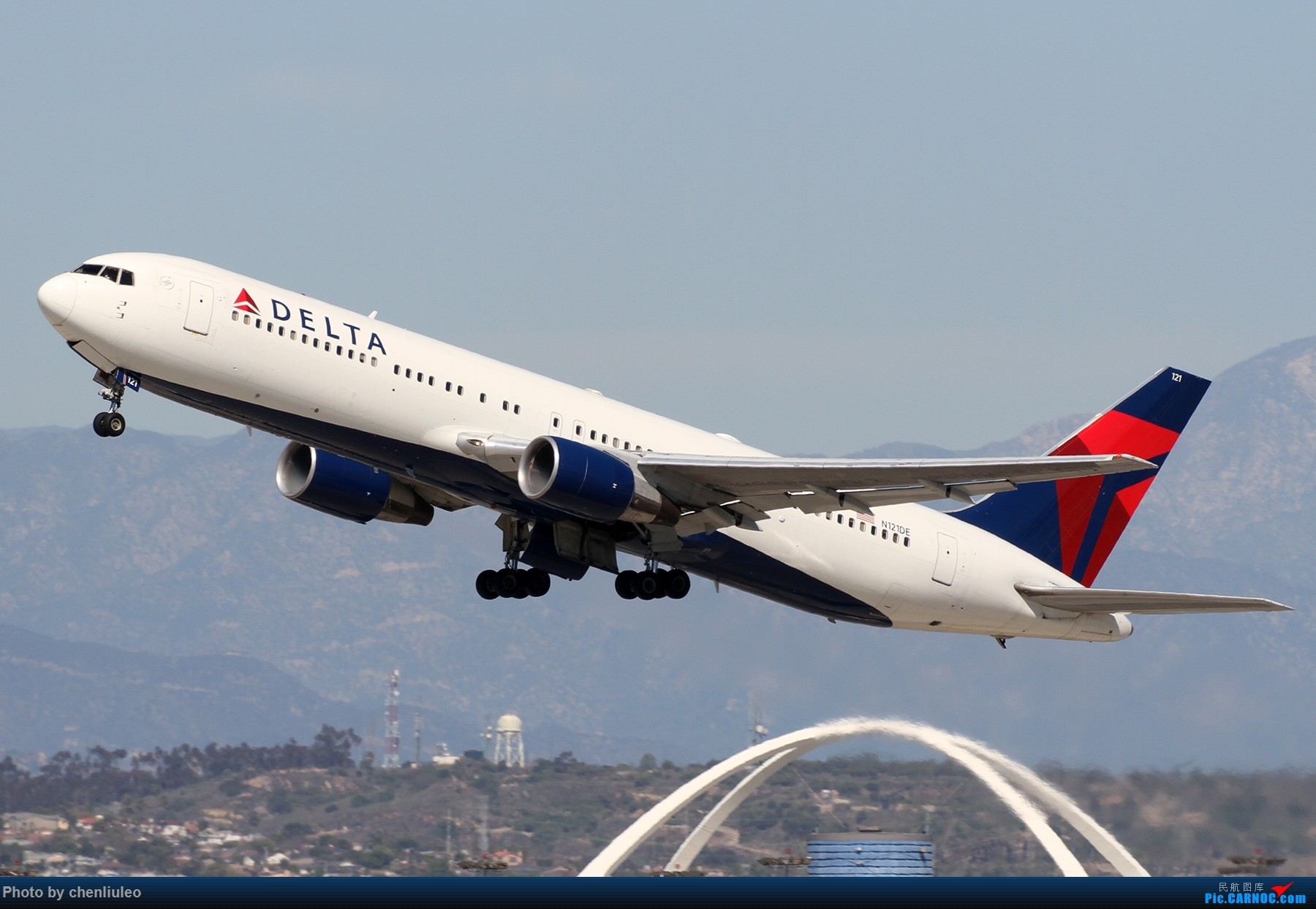 Re:[原创]【北美飞友会】LAX带地景起飞一组 BOEING 767-300 N121DE 美国洛杉矶机场