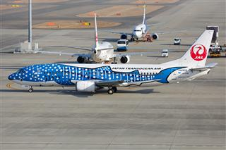 【一图党】1800x1200 日本越洋航空 Boeing737-400 JA8939 蓝鲸涂装