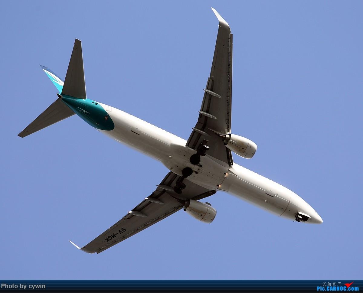 Re:小区楼顶上拍拍CTU 20方向降落的飞机 BOEING 737-700  CTU