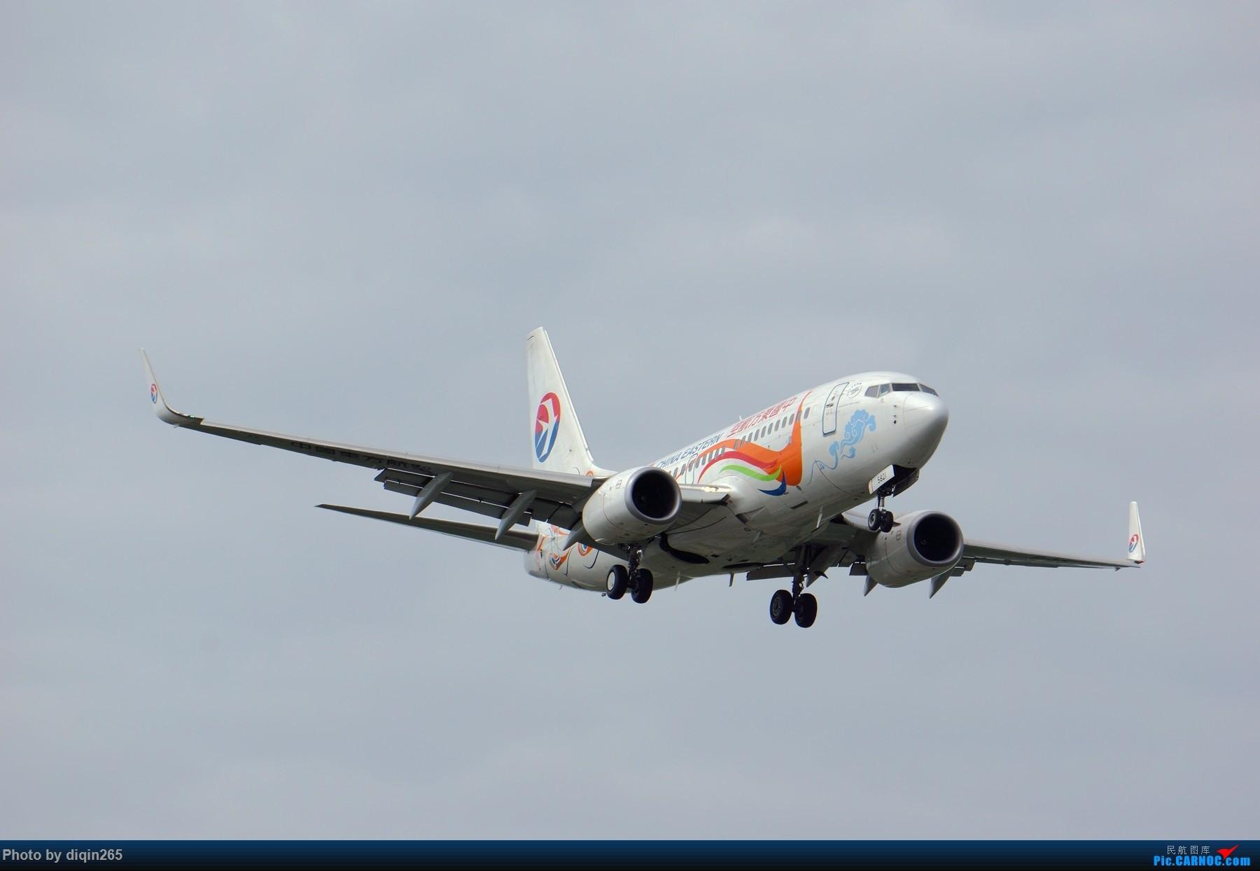 [原创]CTU四月的一个周六 BOEING 737-700 B-5821 中国成都双流国际机场