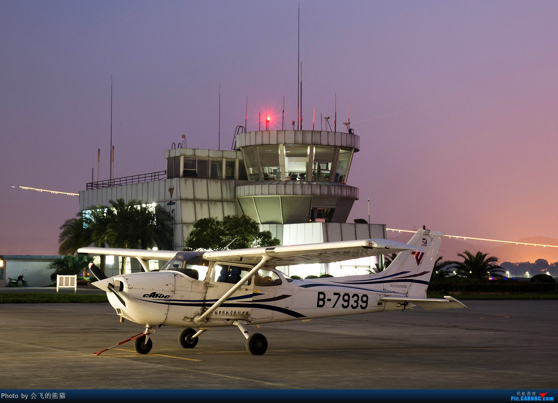 Re:[原创]夜新津 CESSNA 172R B-7939 新津机场