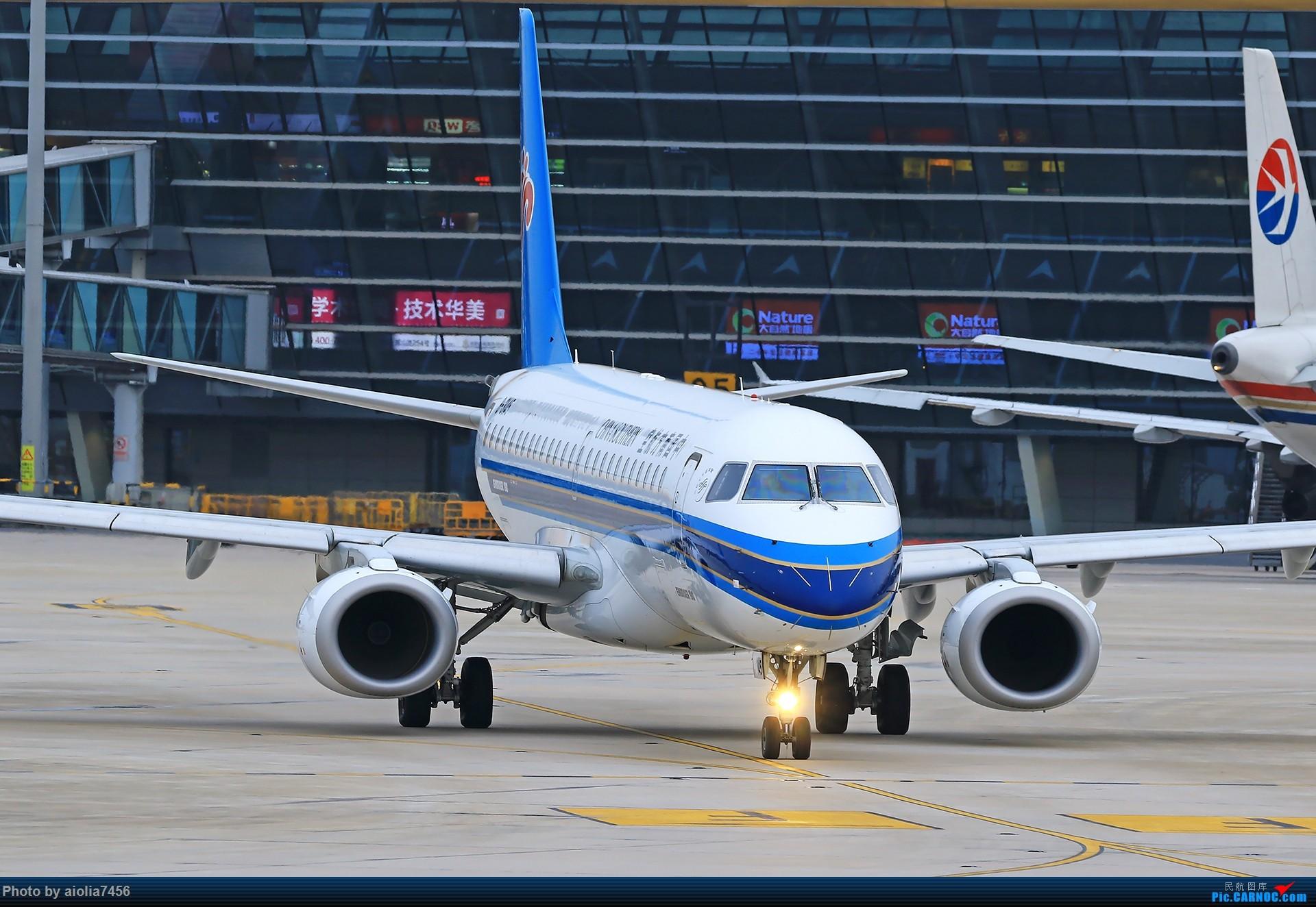 Re:[原创][合肥飞友会]霸都打鸡 找个机会白天打华航 顺便看看期待已久的迪斯尼 EMBRAER E-190 B-3145 中国合肥新桥国际机场