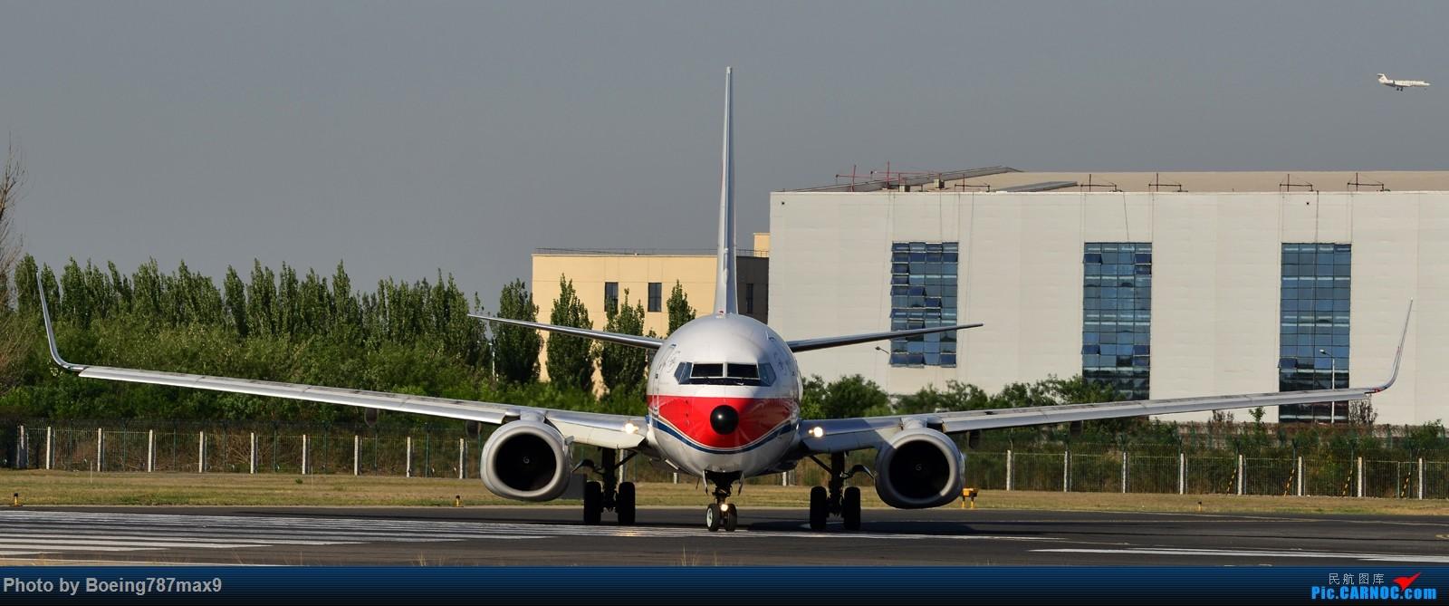 Re:[原创]【PEK】独一无二独特的拍摄角度,超有震撼力的机头『1600*高清大图』 BOEING 737-800 B-5493 中国北京首都国际机场