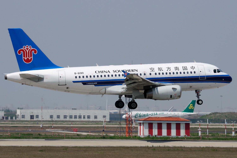 Re:[原创]【PVG】炒点冷饭,PVG 34R一组 AIRBUS A319-100 B-6190 中国上海浦东国际机场