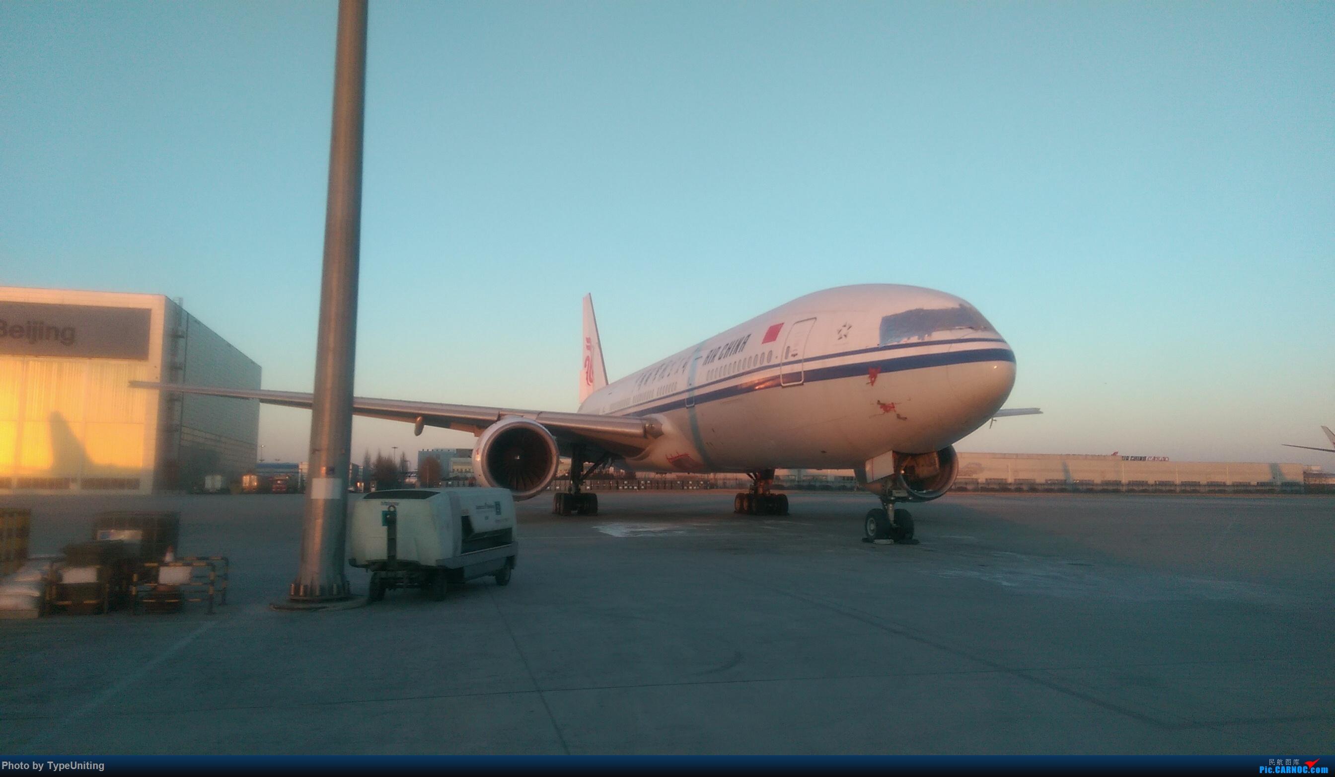 [原创]国航退役停场的772们 BOEING 777-200 B-2066 中国北京首都国际机场