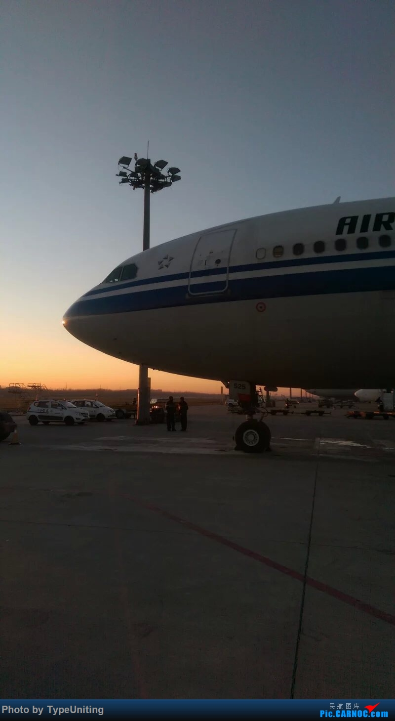 Re:[原创]国航退役停场的772们 AIRBUS A330-300 B-6525 中国北京首都国际机场