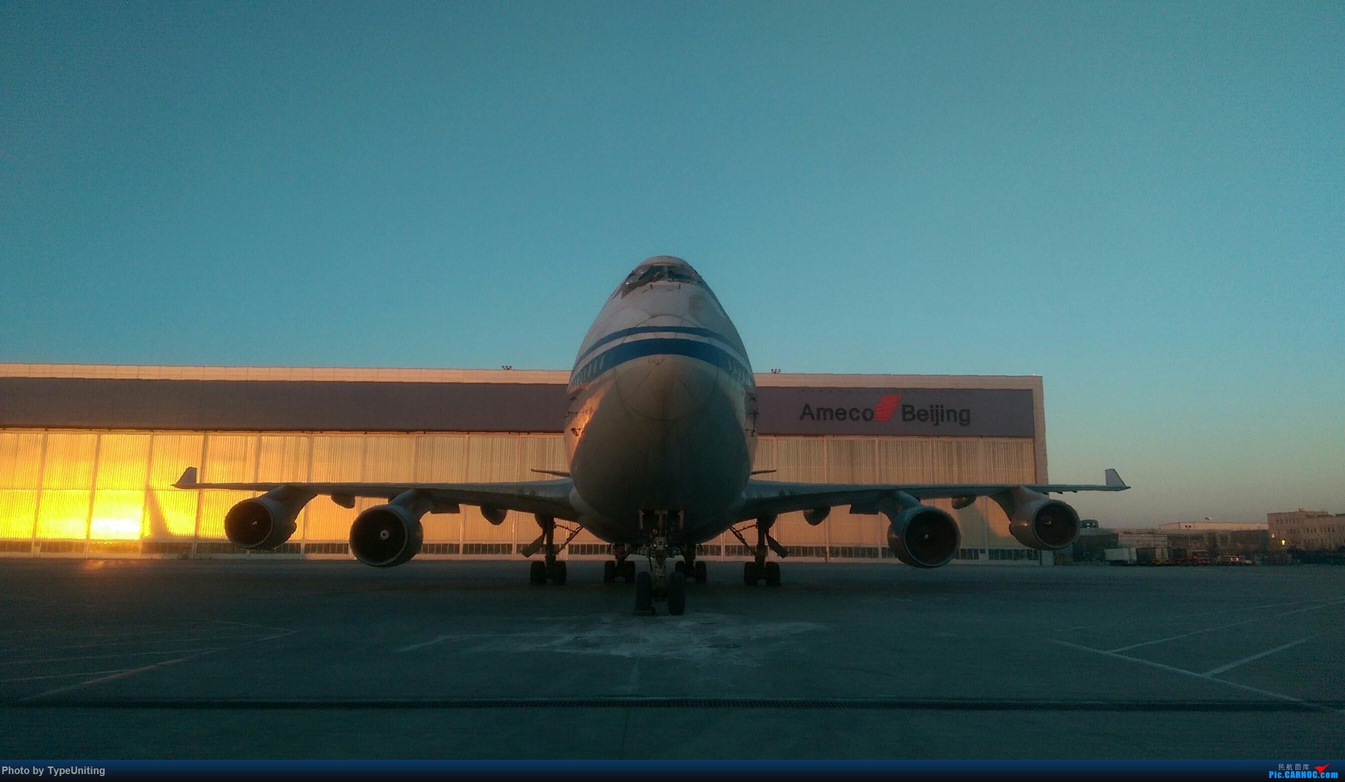 Re:国航退役停场的772们 BOEING 747-400 B-2443 中国北京首都国际机场