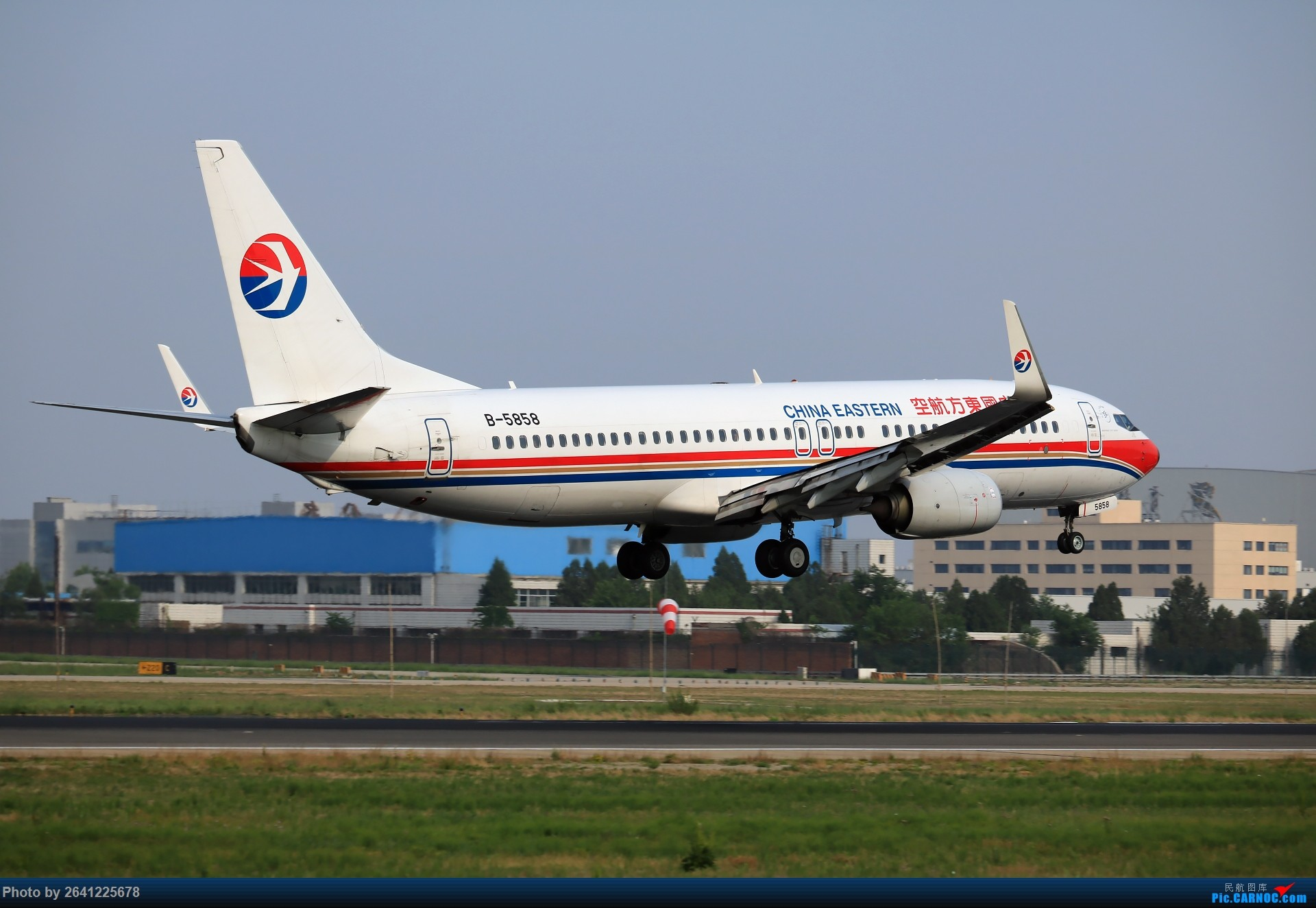 Re:[原��]【PEK】初�痂F匠�I BOEING 737-800 B-5858 中��北京首都���H�C��