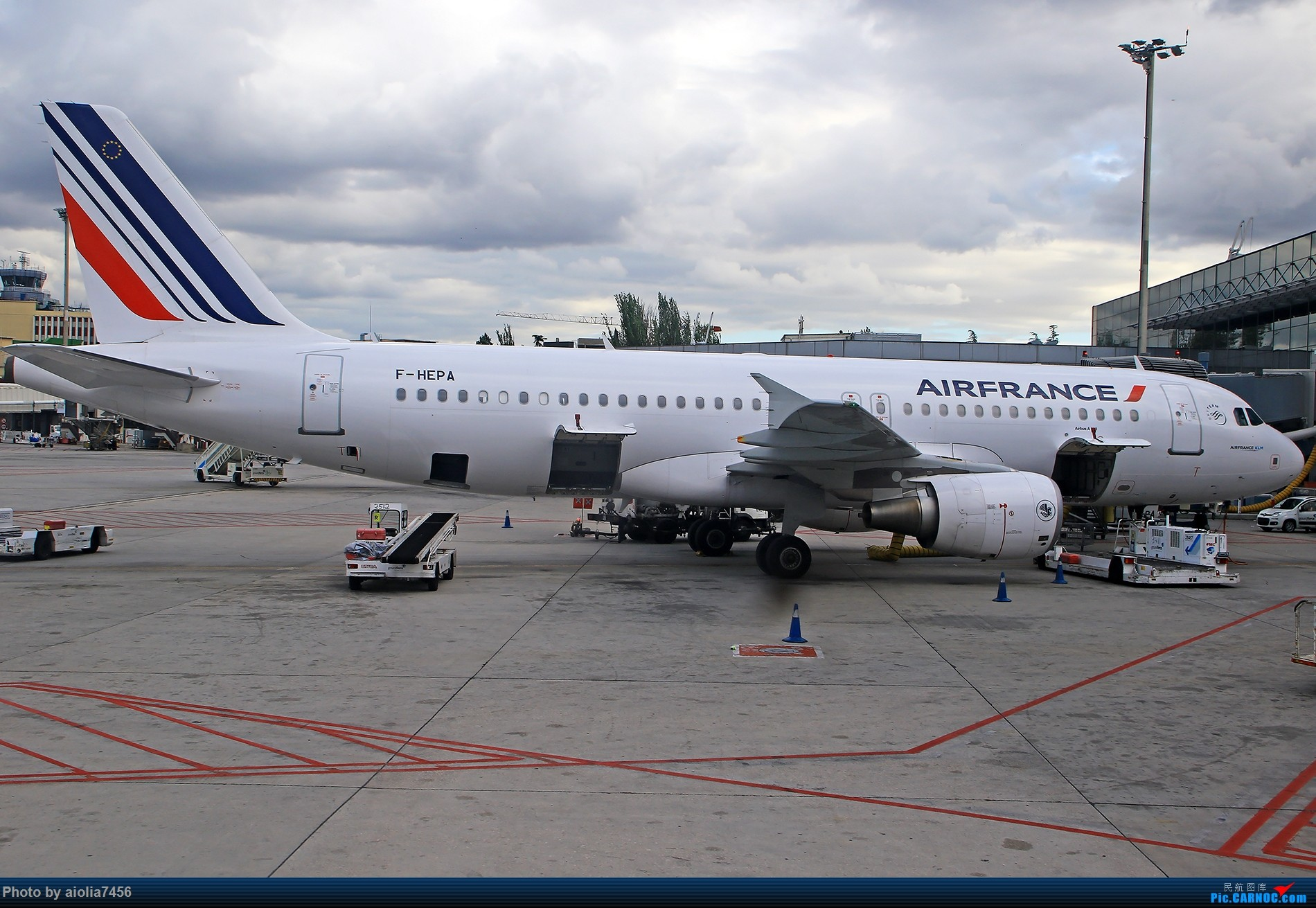 Re:[原创]【合肥飞友会】西行归来第二弹--西行拍机 AIRBUS A320 F-HEPA 西班牙马德里机场