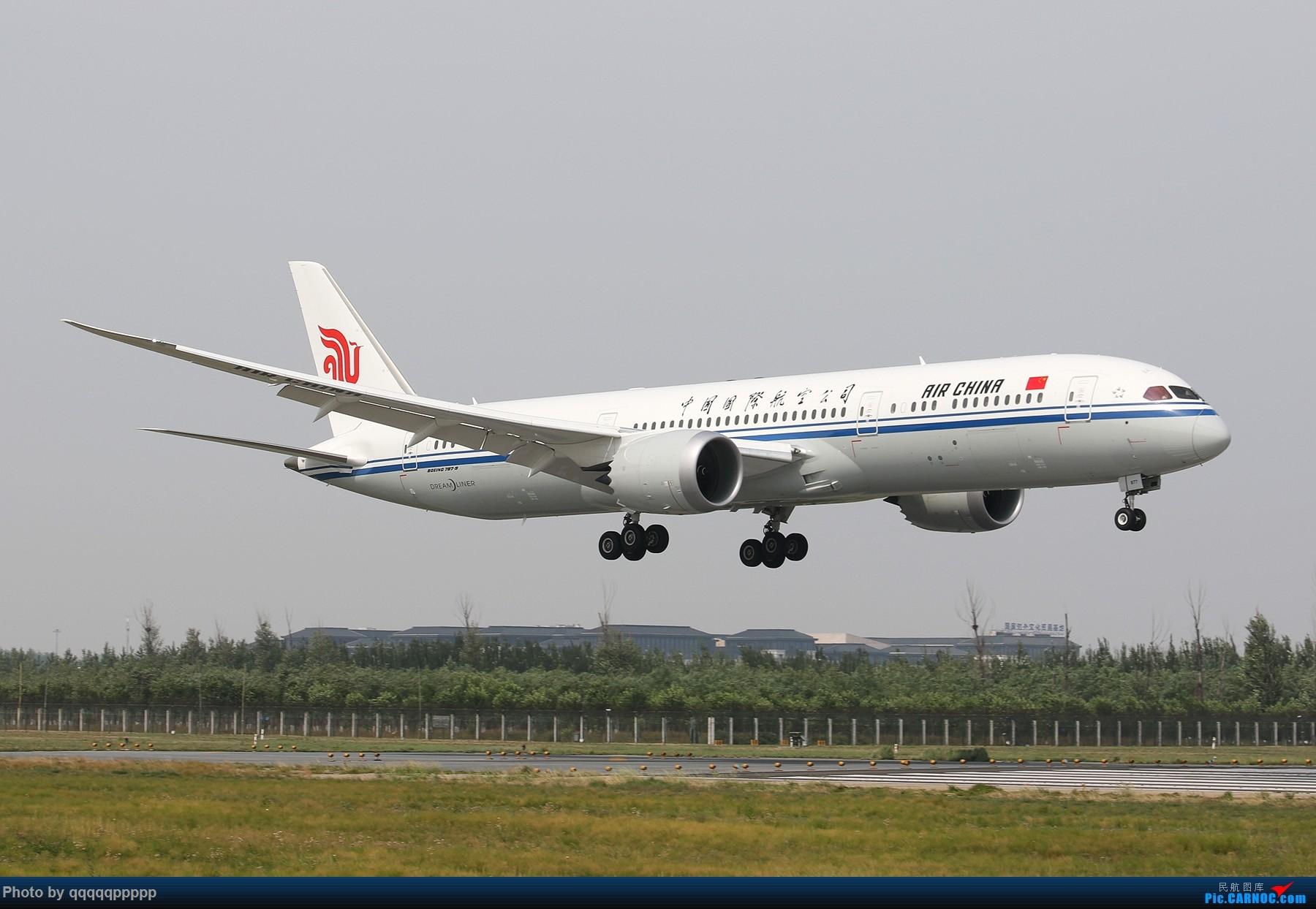近期杂图 BOEING 787-9 B-7877 中国北京首都国际机场
