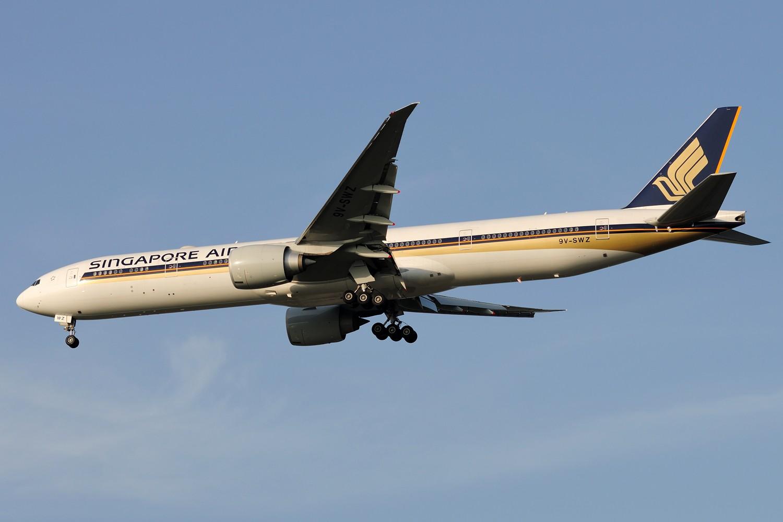 Re:[原创]【PVG】黄昏下美丽光线一组 BOEING 777-300ER 9V-SWZ 中国上海浦东国际机场